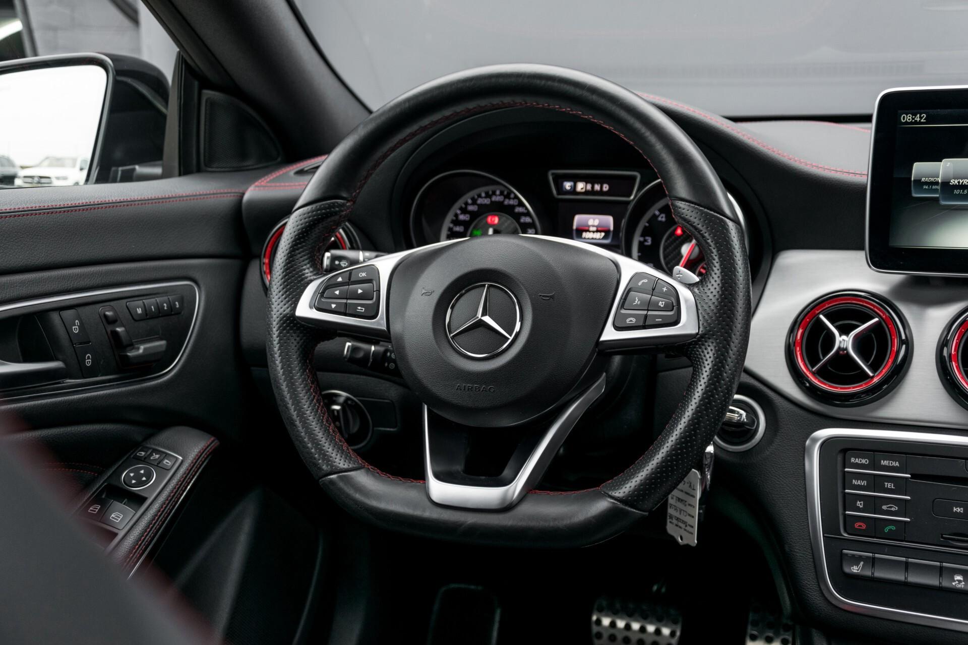 """Mercedes-Benz CLA-Klasse Shooting Brake 45 AMG 4-M Performance Stoelen/Uitlaat/19"""" velgen/Exclusive/Panorama Aut7 Foto 7"""