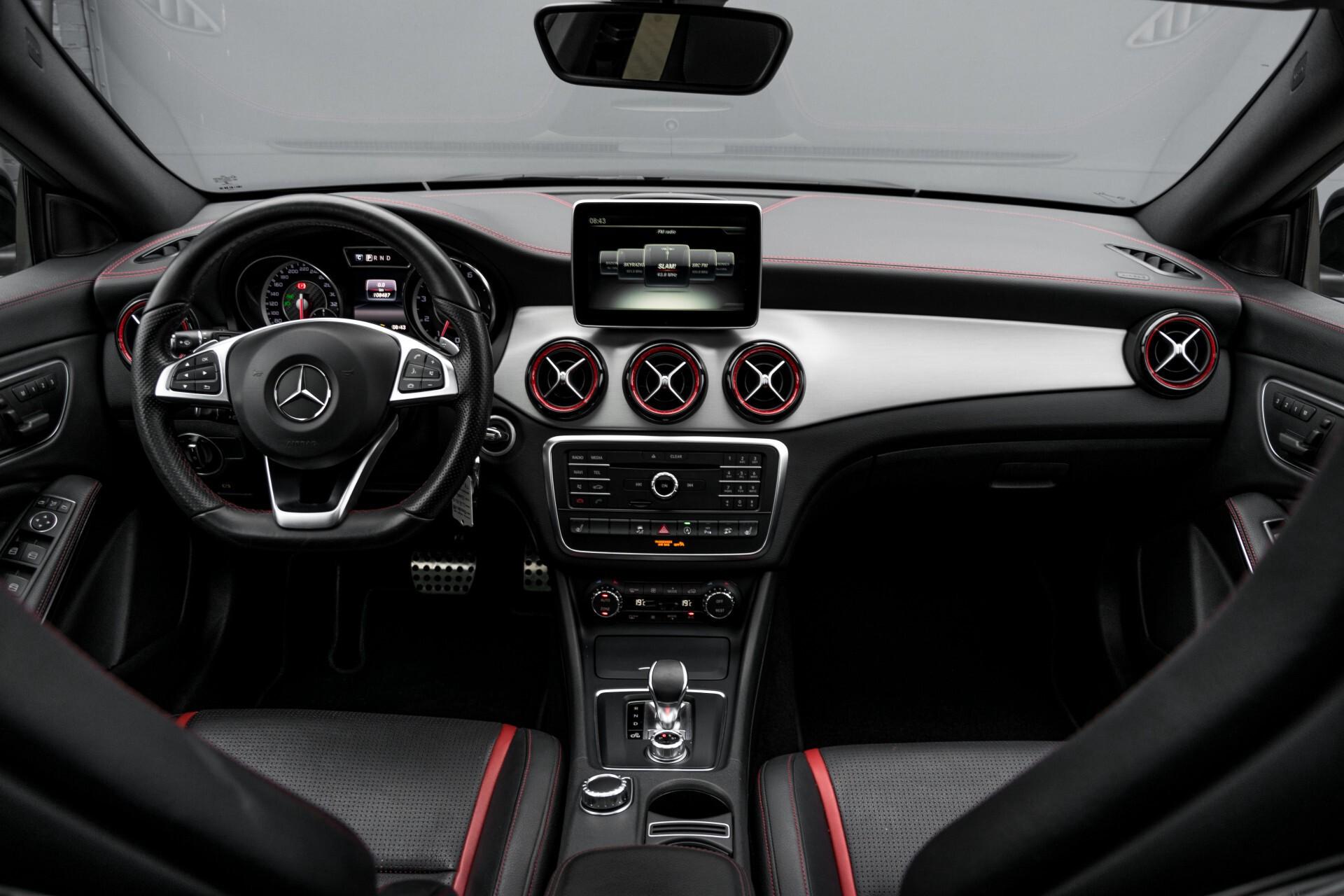"""Mercedes-Benz CLA-Klasse Shooting Brake 45 AMG 4-M Performance Stoelen/Uitlaat/19"""" velgen/Exclusive/Panorama Aut7 Foto 8"""