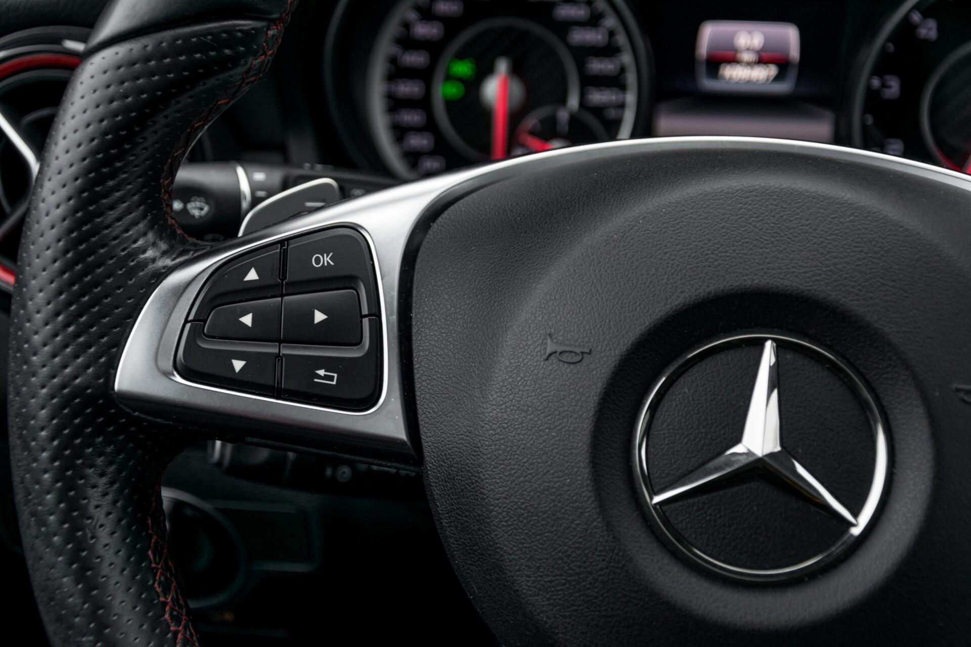"""Mercedes-Benz CLA-Klasse Shooting Brake 45 AMG 4-M Performance Stoelen/Uitlaat/19"""" velgen/Exclusive/Panorama Aut7 Foto 9"""