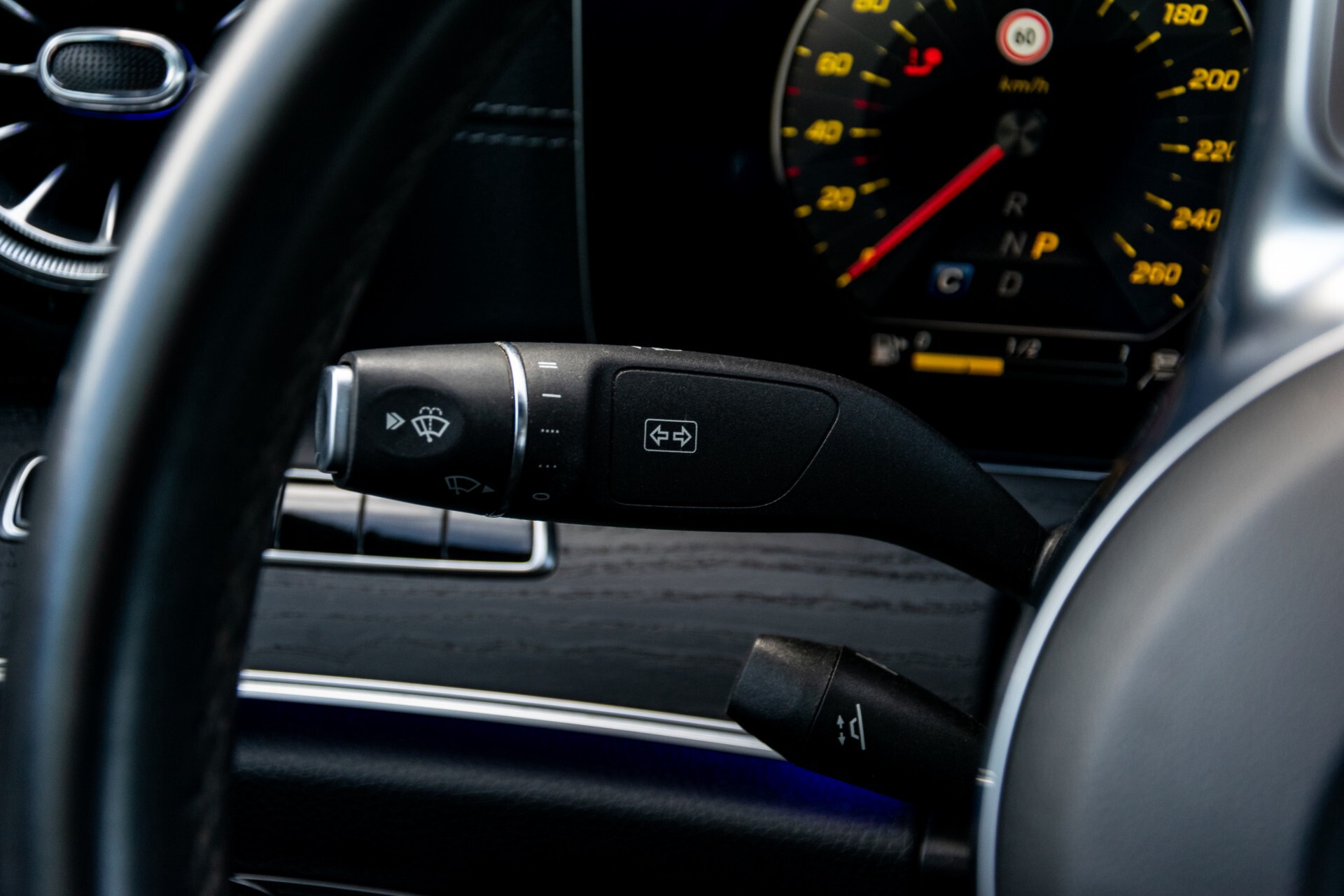 Mercedes-Benz E-Klasse Coupé 300 AMG Panorama/Rij-assist/Keyless/Massage/Memory/HUD/Standkachel/Night Aut9 Foto 11