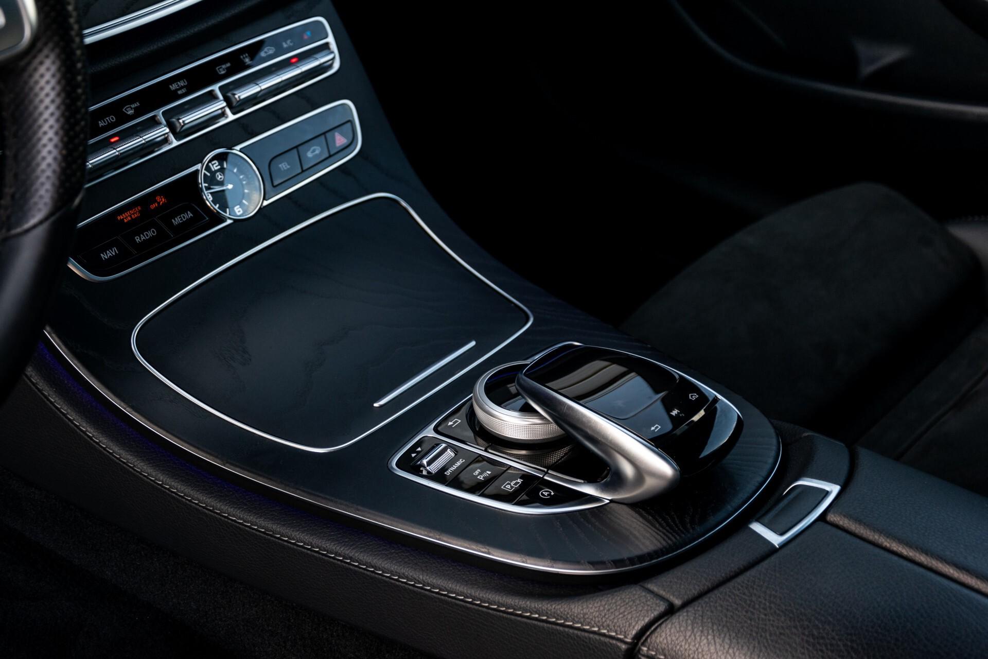 Mercedes-Benz E-Klasse Coupé 300 AMG Panorama/Rij-assist/Keyless/Massage/Memory/HUD/Standkachel/Night Aut9 Foto 19