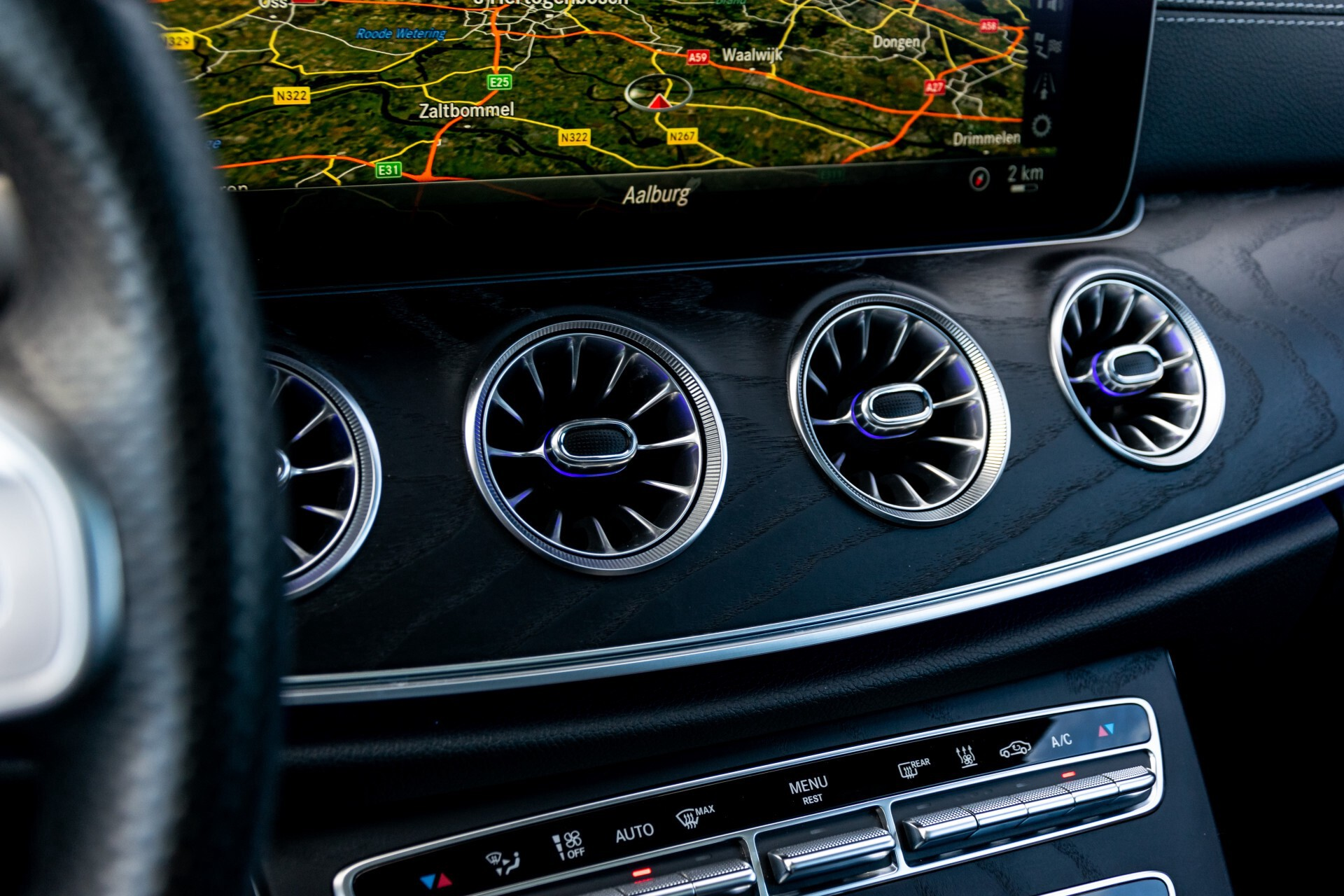 Mercedes-Benz E-Klasse Coupé 300 AMG Panorama/Rij-assist/Keyless/Massage/Memory/HUD/Standkachel/Night Aut9 Foto 21