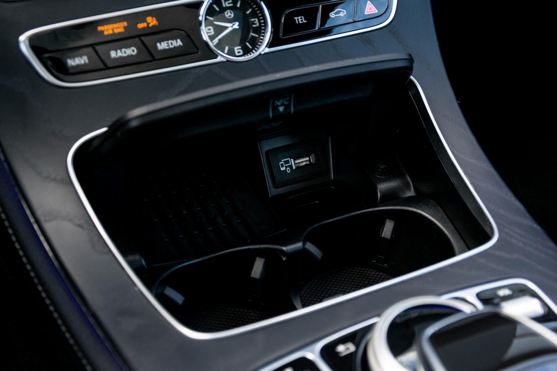 Mercedes-Benz E-Klasse Coupé 300 AMG Panorama/Rij-assist/Keyless/Massage/Memory/HUD/Standkachel/Night Aut9 Foto 26