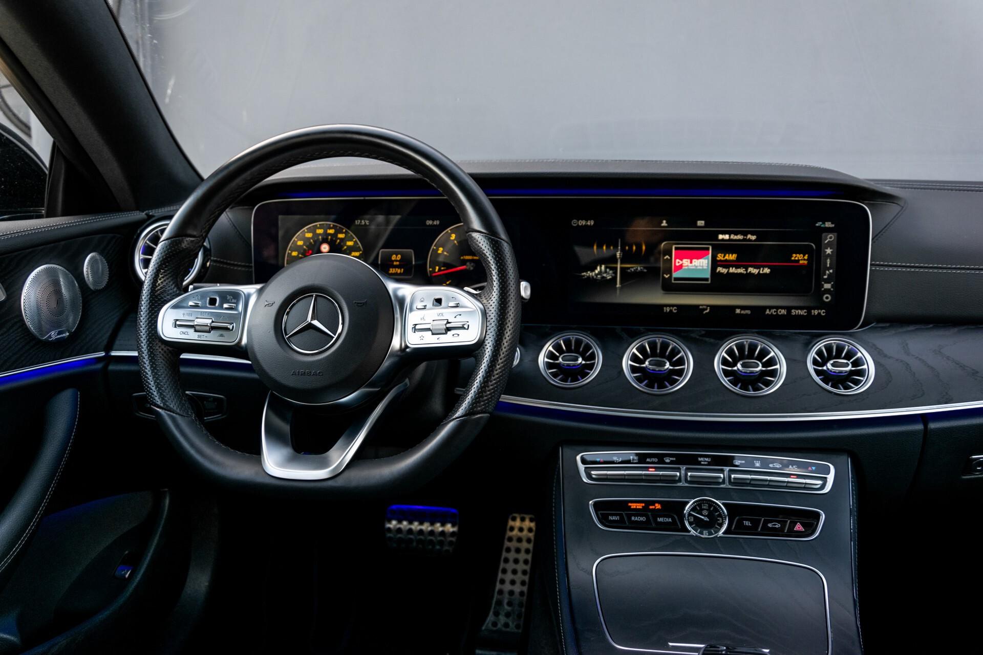 Mercedes-Benz E-Klasse Coupé 300 AMG Panorama/Rij-assist/Keyless/Massage/Memory/HUD/Standkachel/Night Aut9 Foto 4