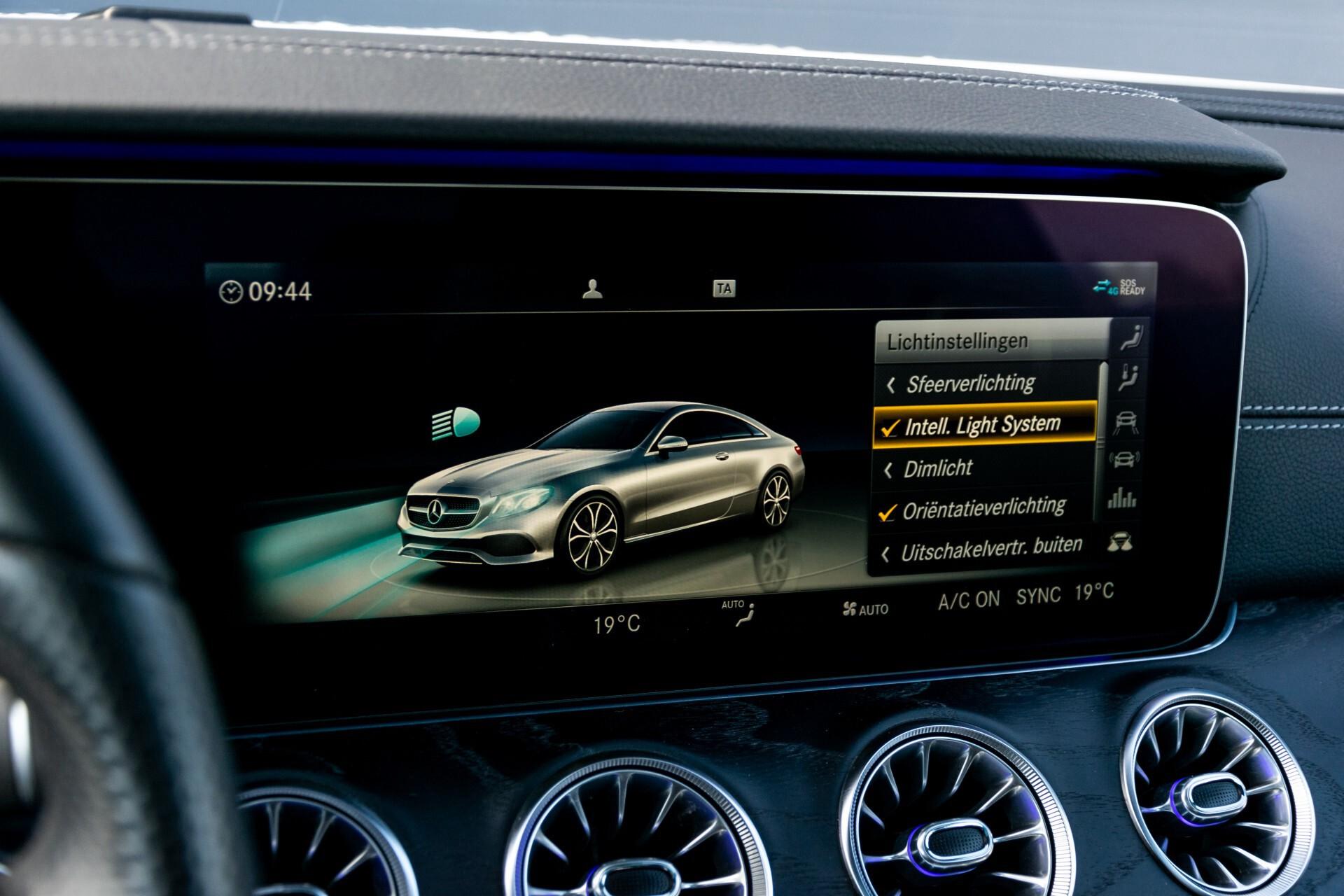 Mercedes-Benz E-Klasse Coupé 300 AMG Panorama/Rij-assist/Keyless/Massage/Memory/HUD/Standkachel/Night Aut9 Foto 45