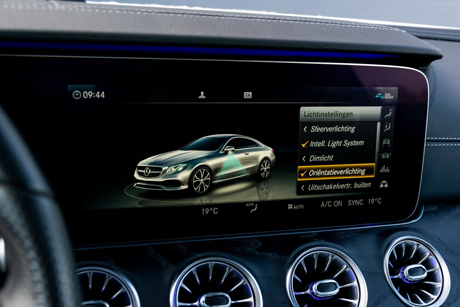 Mercedes-Benz E-Klasse Coupé 300 AMG Panorama/Rij-assist/Keyless/Massage/Memory/HUD/Standkachel/Night Aut9 Foto 47