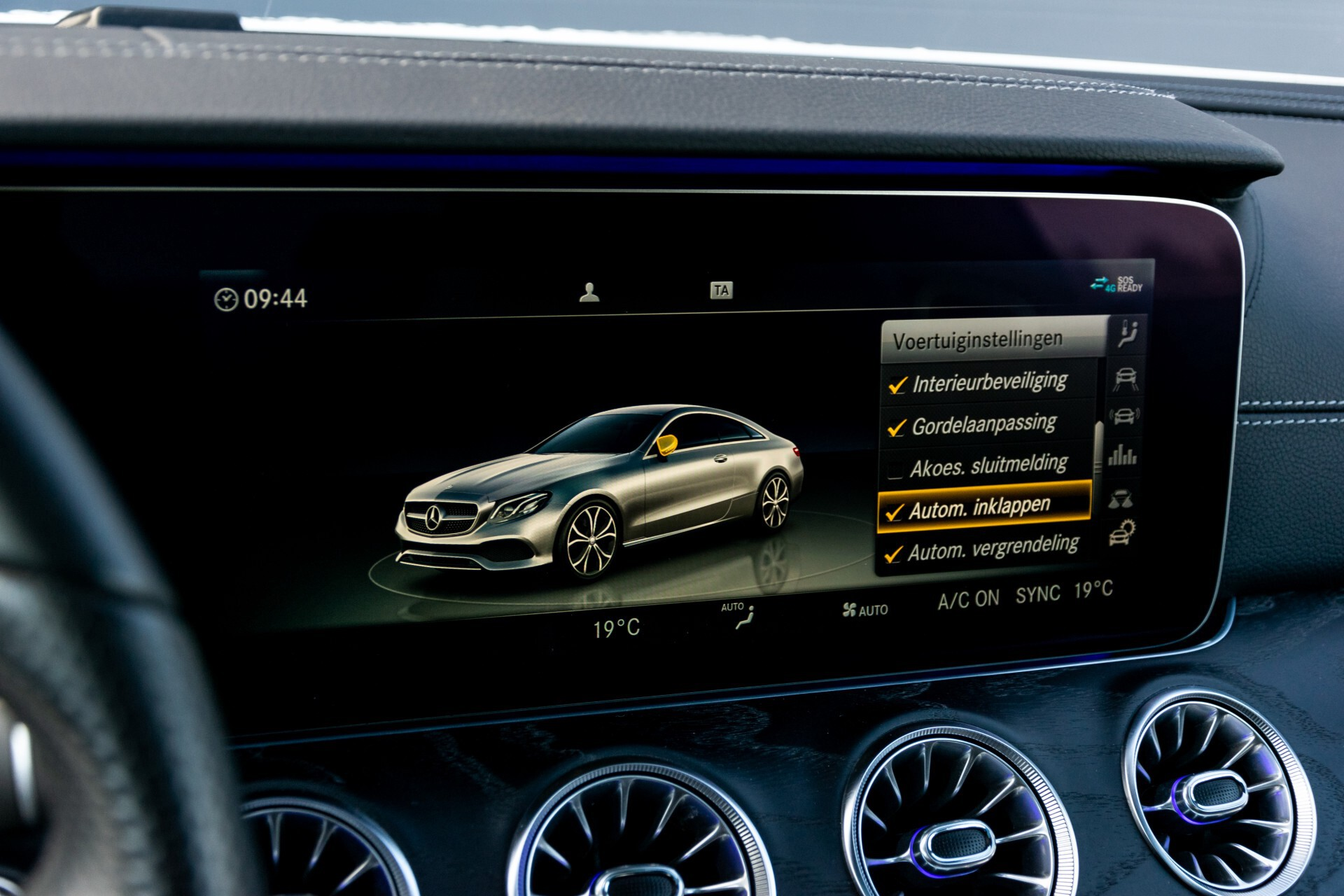 Mercedes-Benz E-Klasse Coupé 300 AMG Panorama/Rij-assist/Keyless/Massage/Memory/HUD/Standkachel/Night Aut9 Foto 51