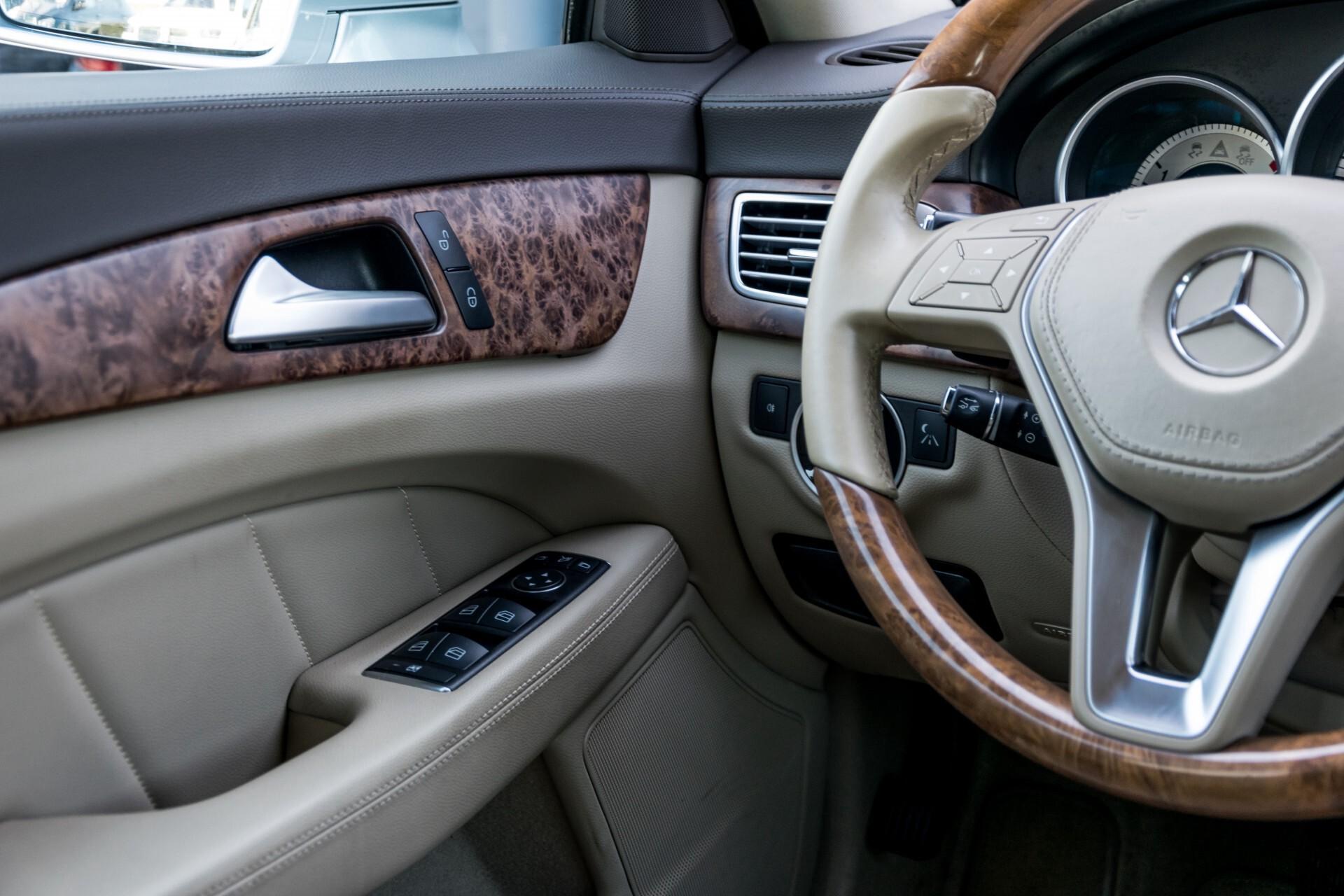 Mercedes-Benz CLS-Klasse 350 Cdi Luchtvering/Distronic/Nachtzicht/AMG/Comand/ILS Aut7 Foto 36