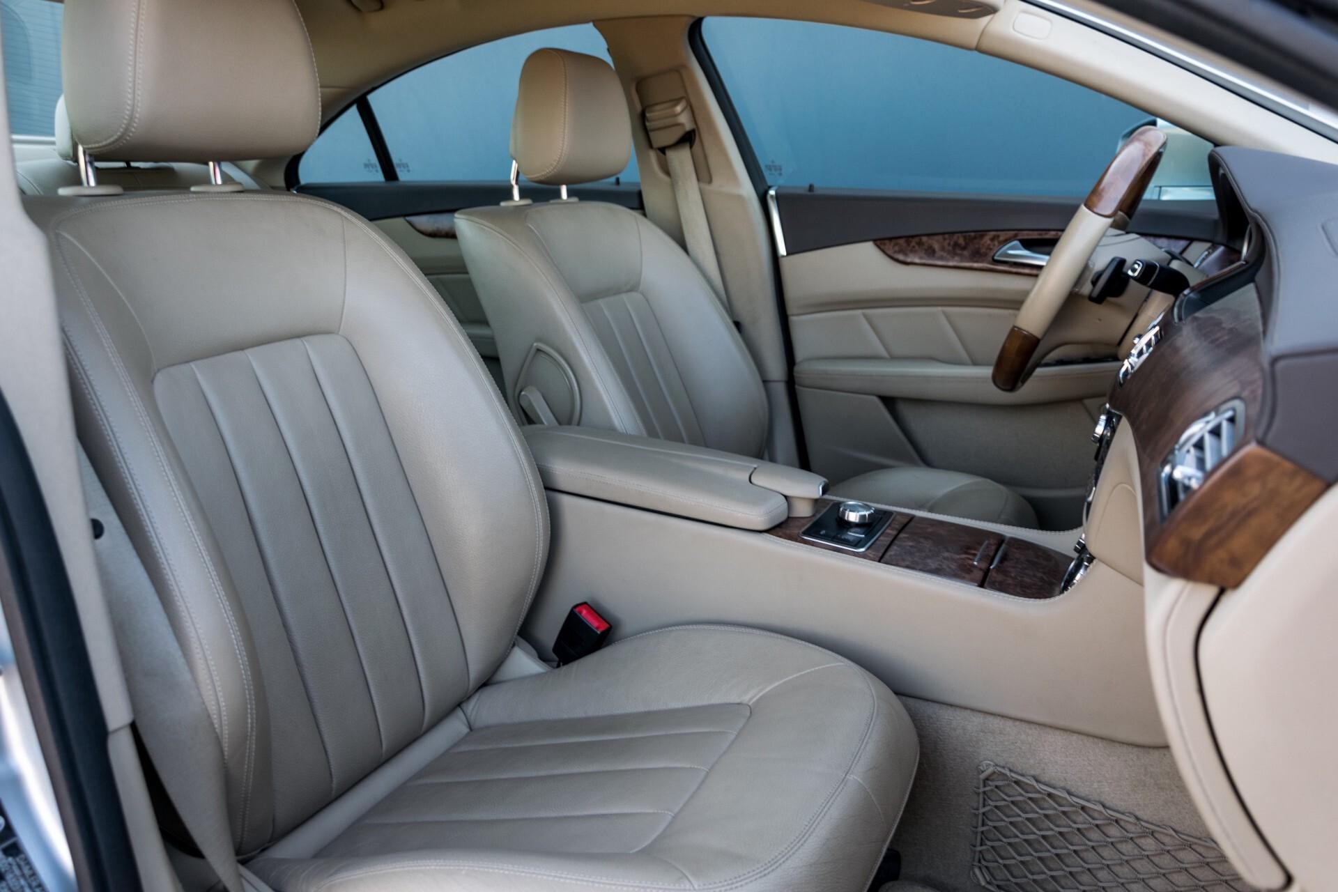 Mercedes-Benz CLS-Klasse 350 Cdi Luchtvering/Distronic/Nachtzicht/AMG/Comand/ILS Aut7 Foto 4