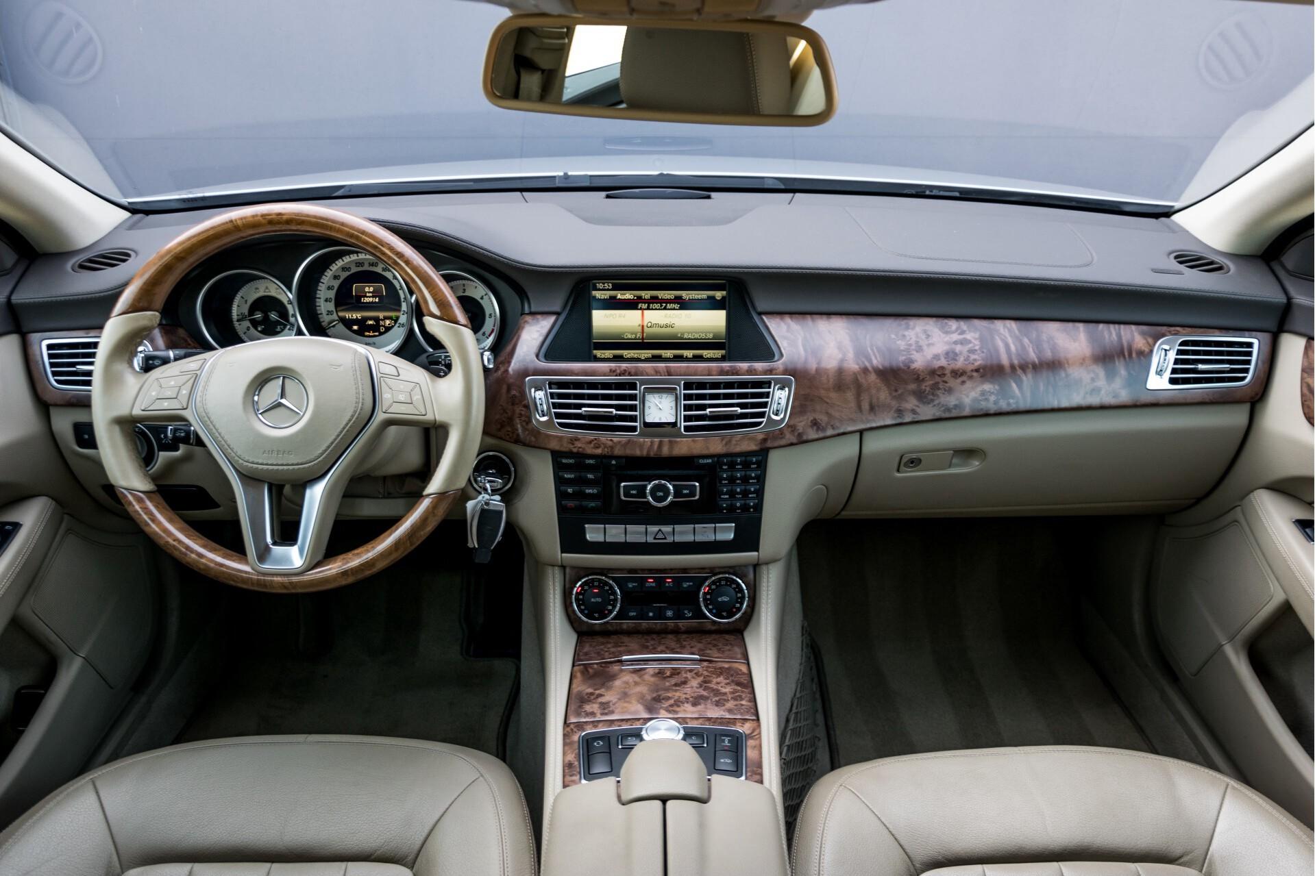 Mercedes-Benz CLS-Klasse 350 Cdi Luchtvering/Distronic/Nachtzicht/AMG/Comand/ILS Aut7 Foto 9