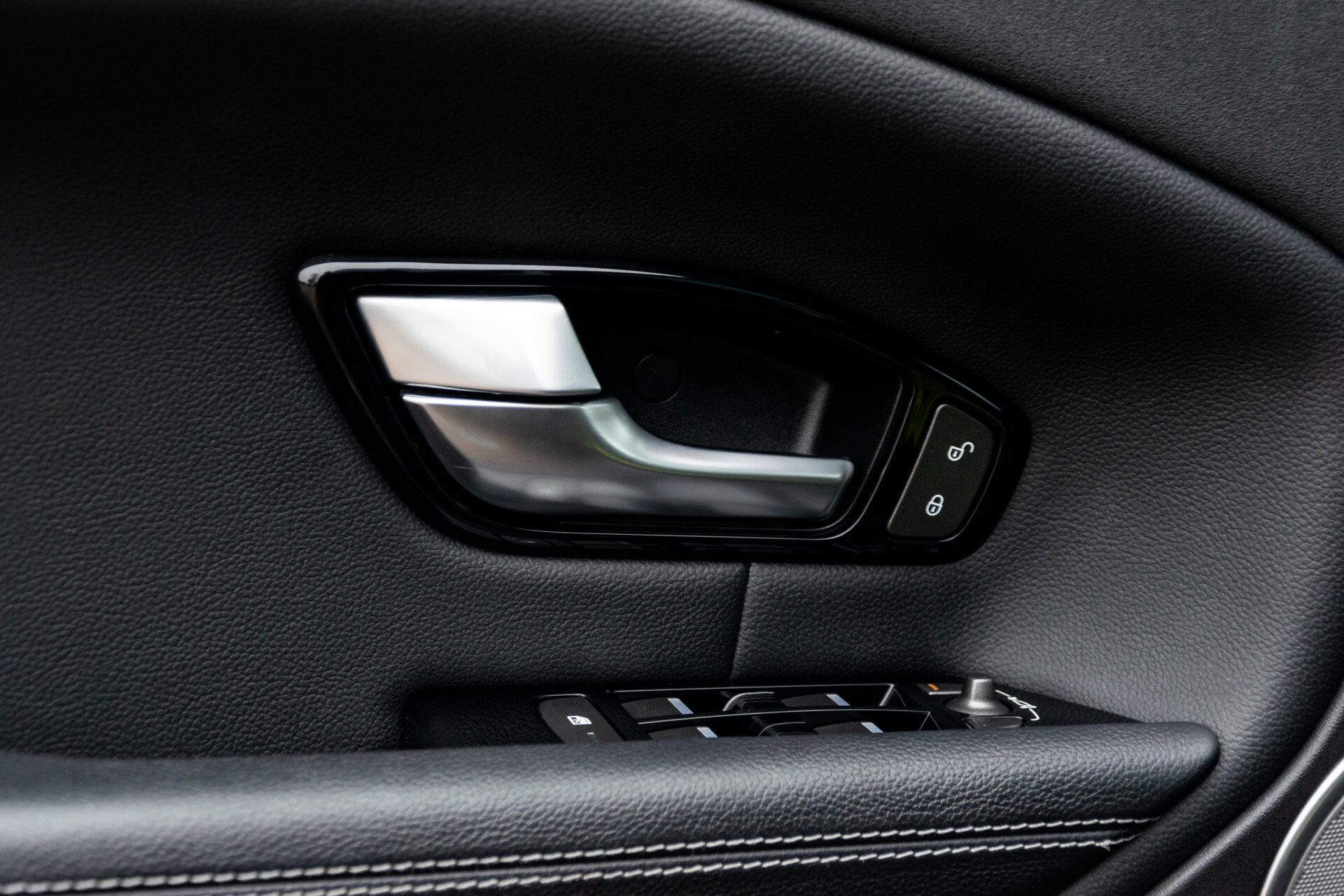Land Rover Range Rover Evoque 2.0 TD4 SE Dynamic Blackline Panorama Camera Aut9 Foto 37