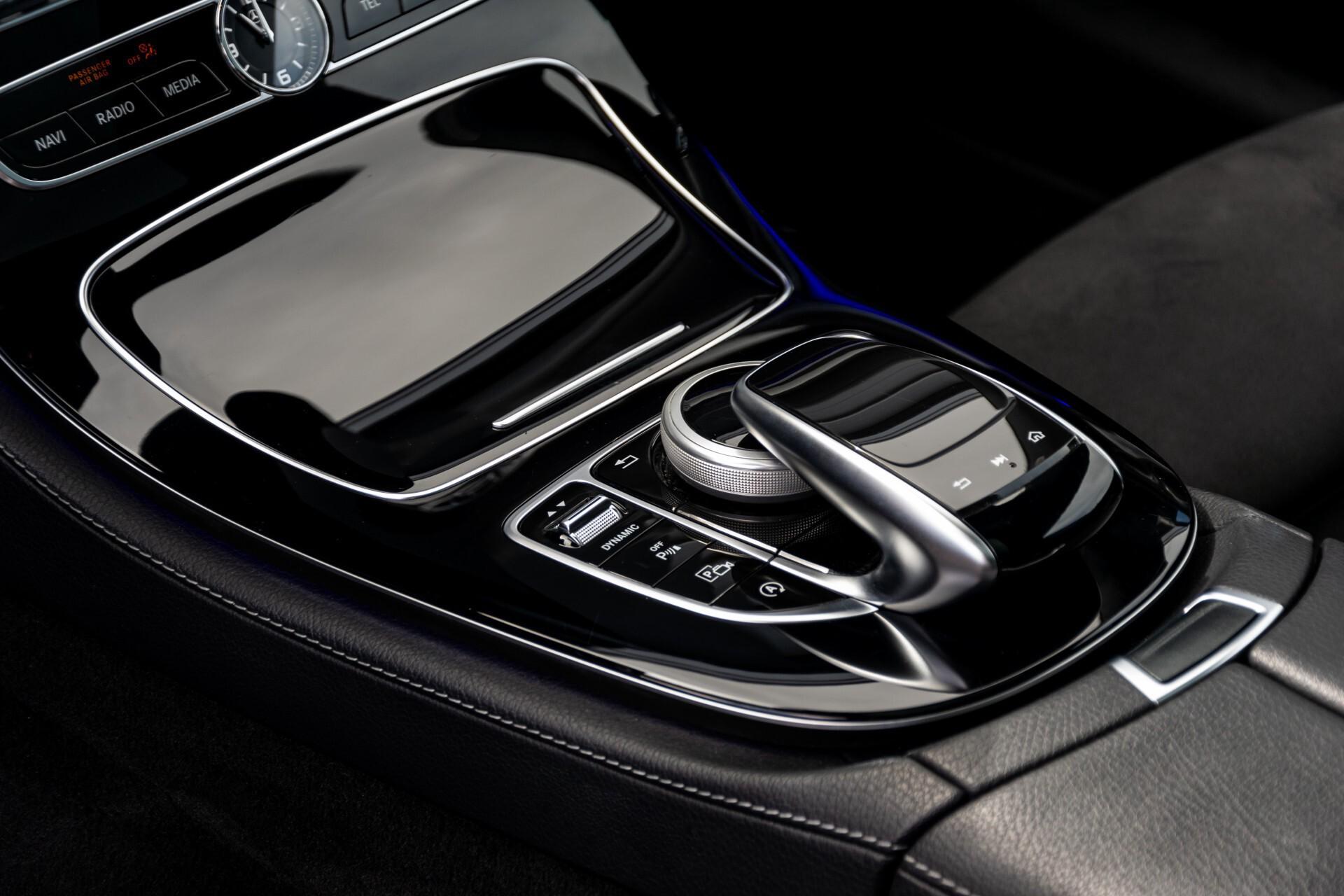 Mercedes-Benz E-Klasse Coupé 220 d AMG Night Panorama Aut9 Foto 18