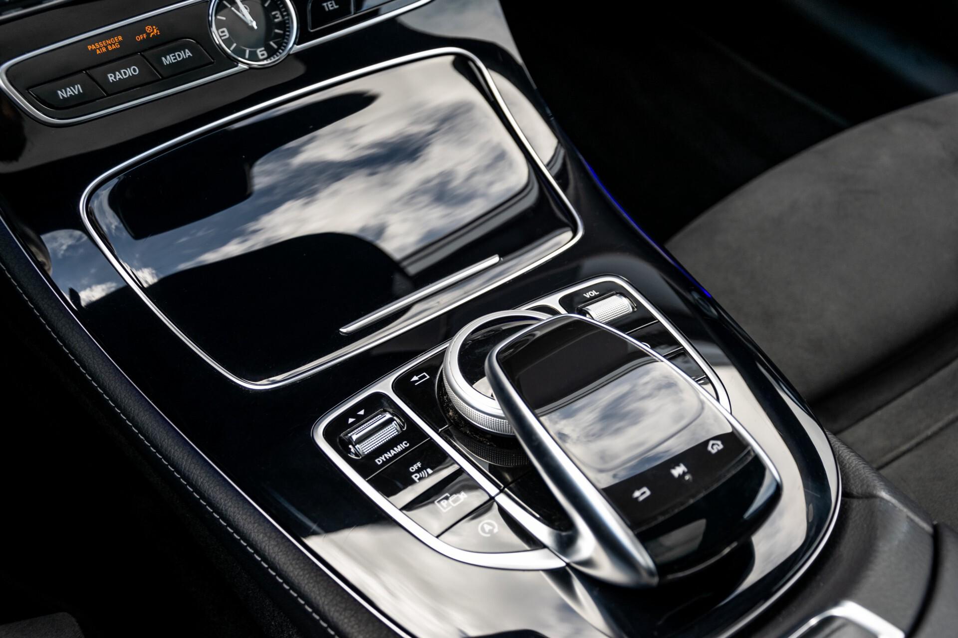 Mercedes-Benz E-Klasse Coupé 220 d AMG Night Panorama Aut9 Foto 24