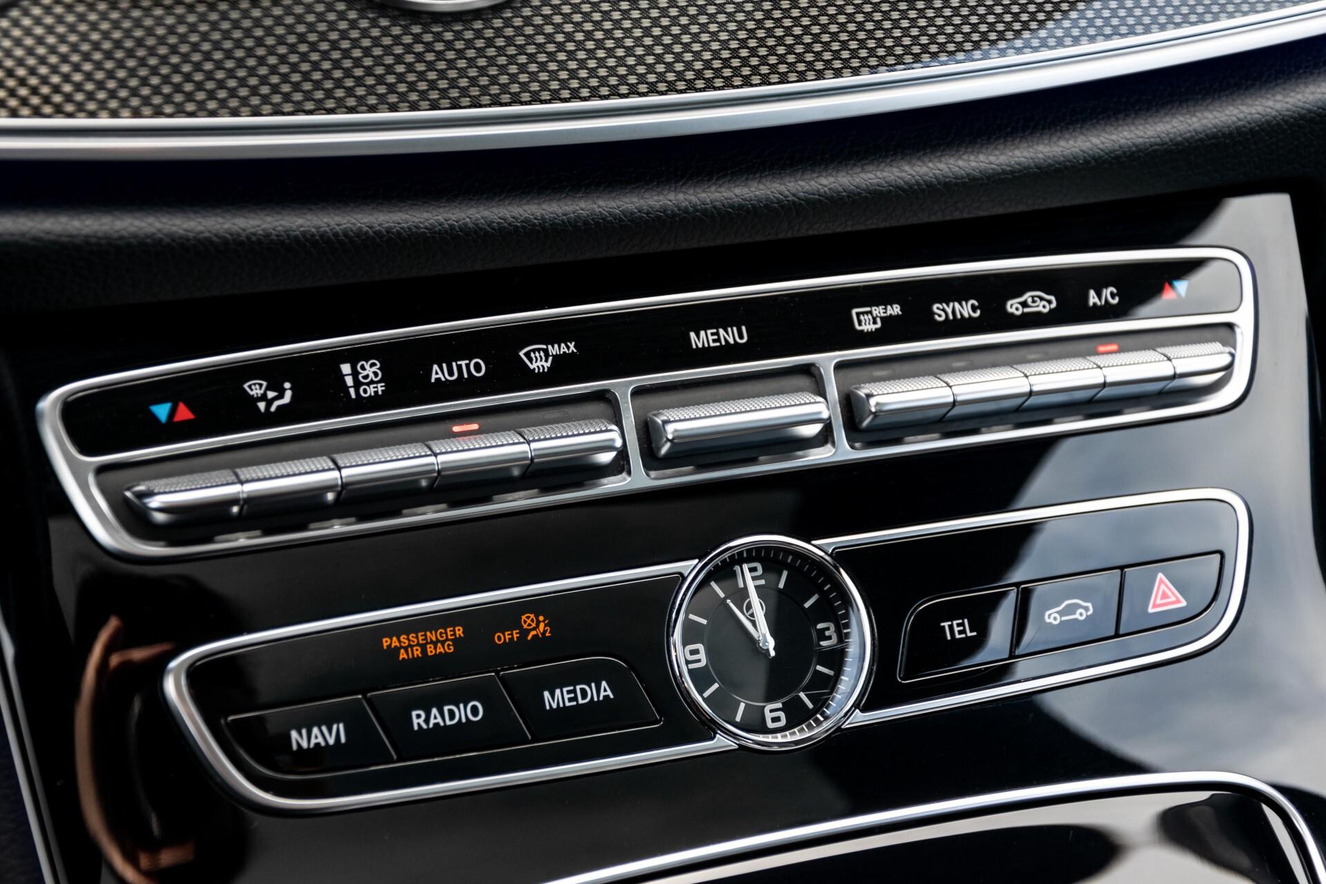 Mercedes-Benz E-Klasse Coupé 220 d AMG Night Panorama Aut9 Foto 30