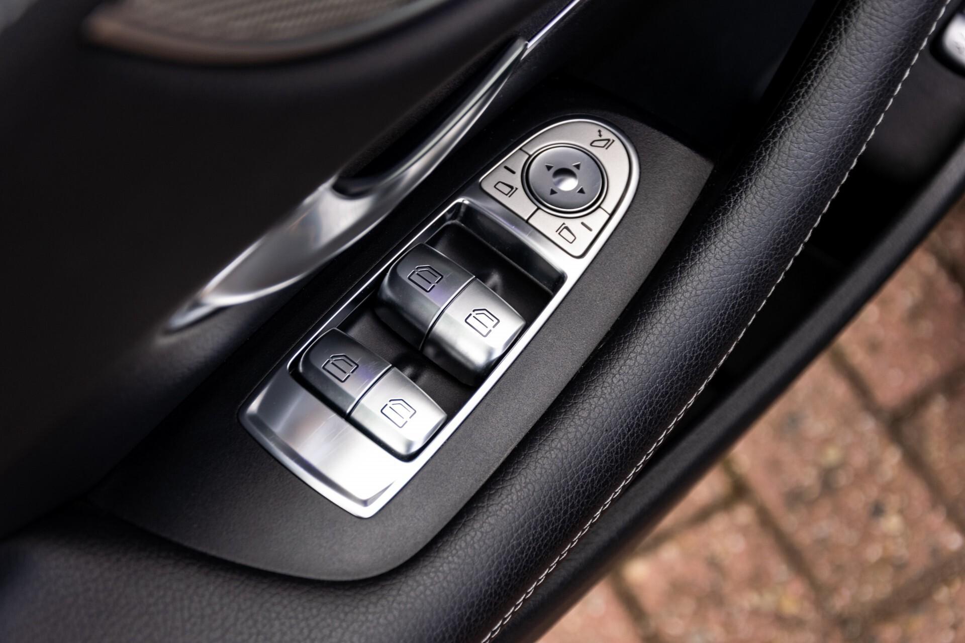 Mercedes-Benz E-Klasse Coupé 220 d AMG Night Panorama Aut9 Foto 33