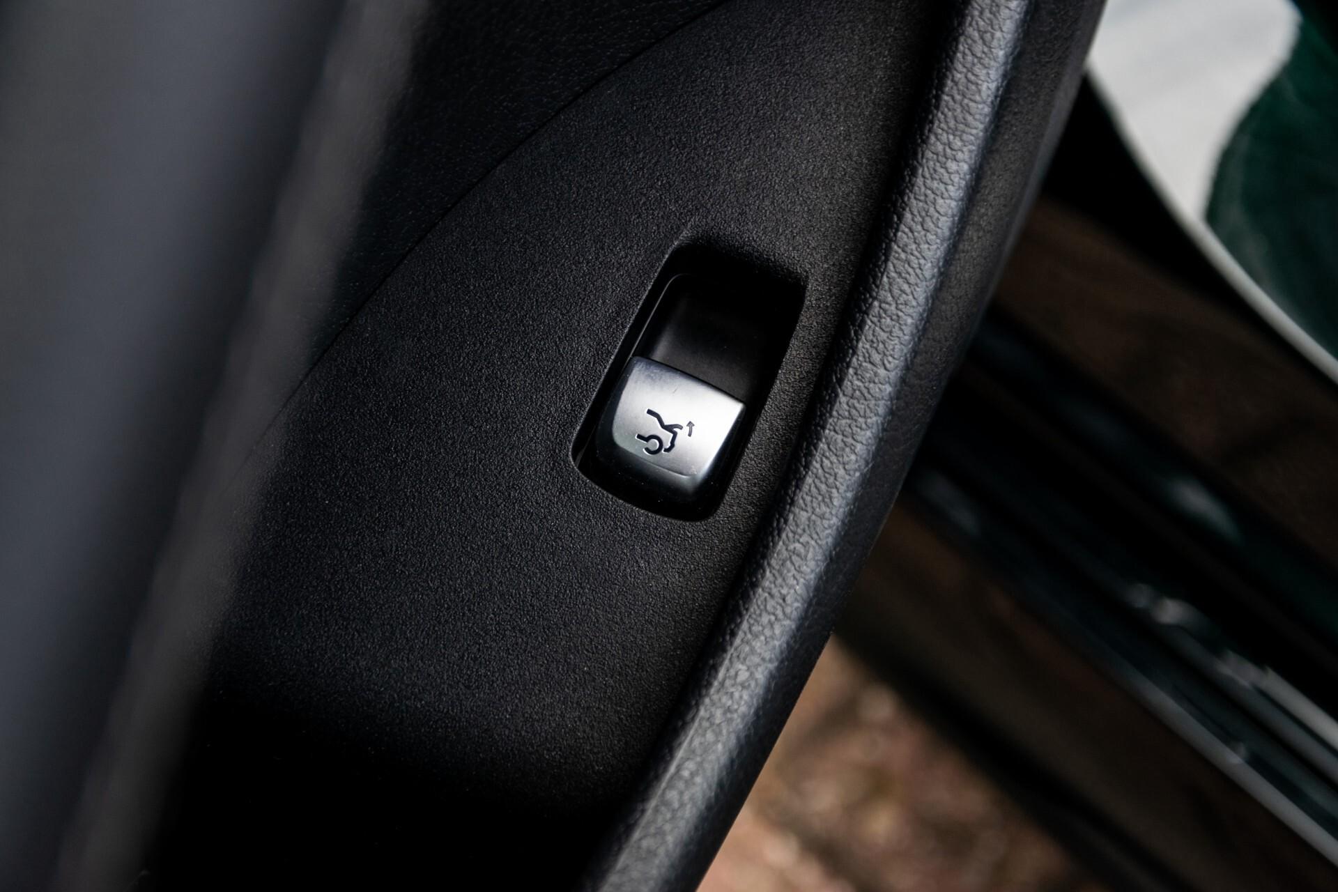 Mercedes-Benz E-Klasse Coupé 220 d AMG Night Panorama Aut9 Foto 35