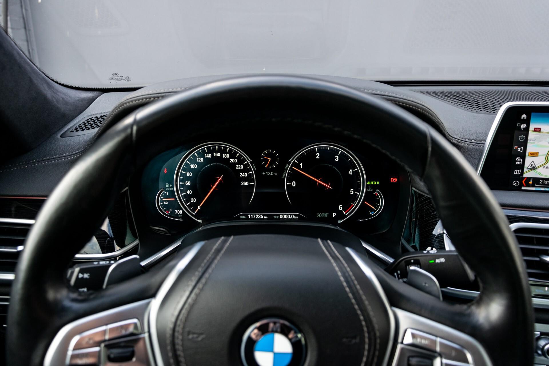 BMW 7 Serie 740d xDrive M-Sport High Executive Full Options Aut8 Foto 12