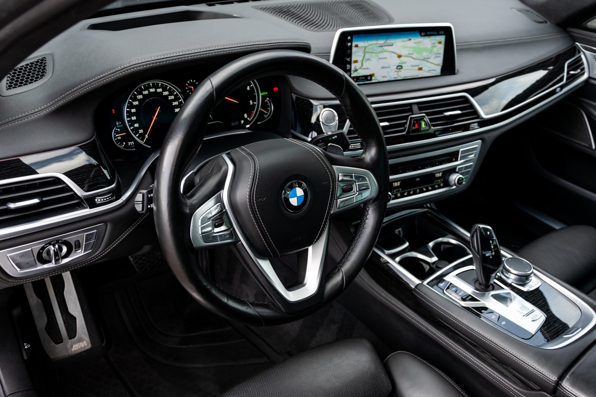 BMW 7 Serie 740d xDrive M-Sport High Executive Full Options Aut8 Foto 17