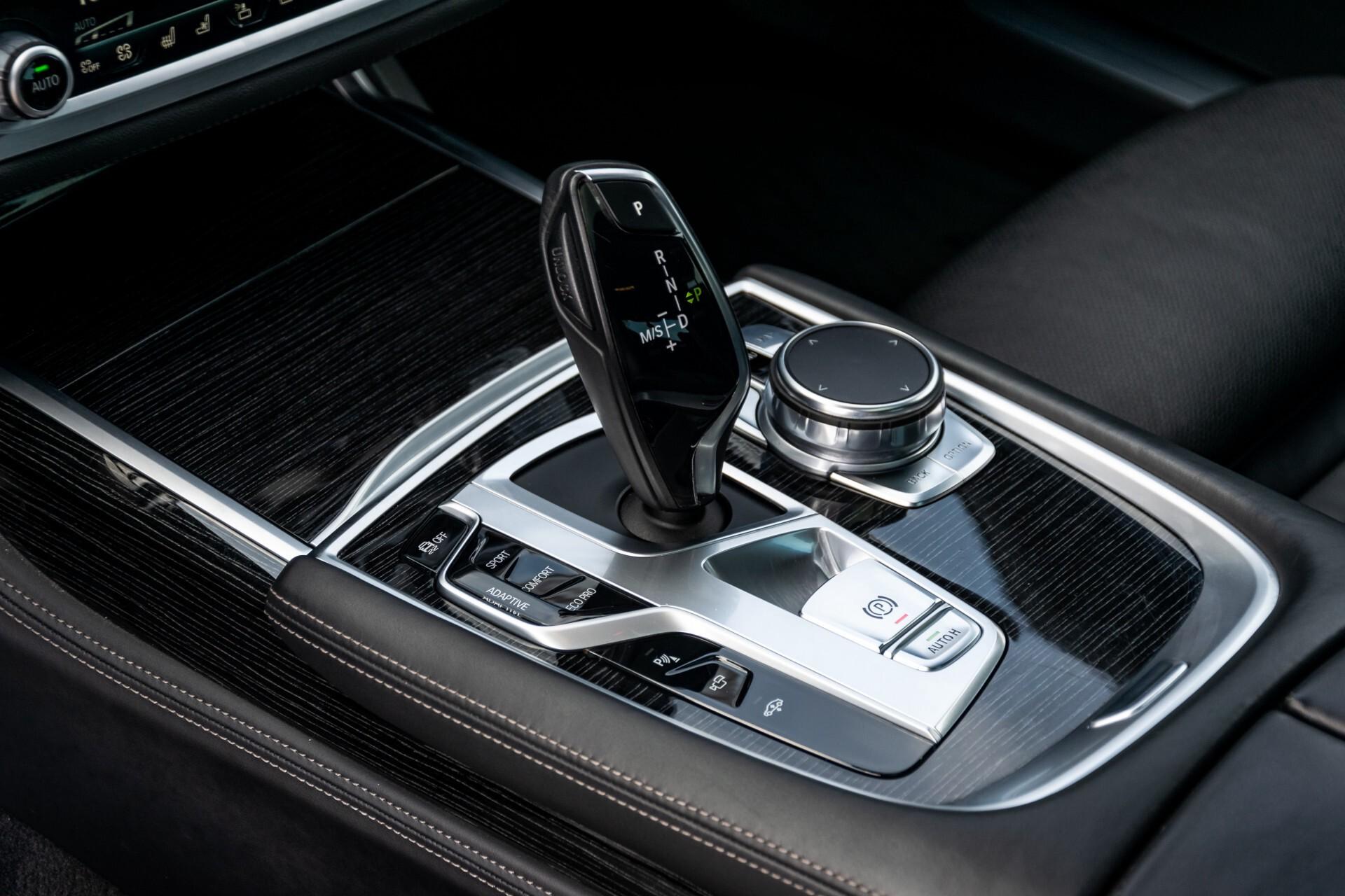 BMW 7 Serie 740d xDrive M-Sport High Executive Full Options Aut8 Foto 19