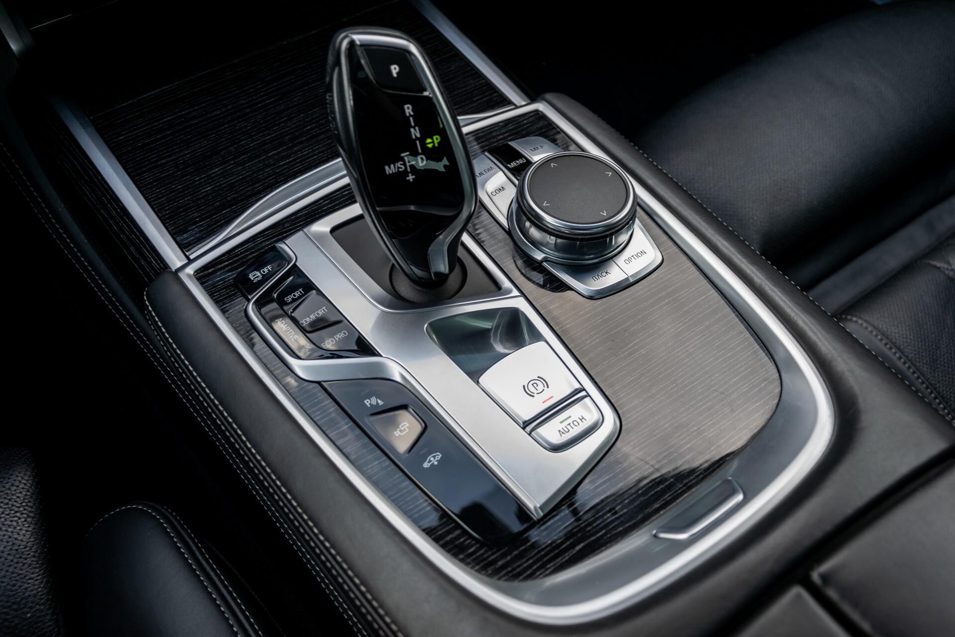 BMW 7 Serie 740d xDrive M-Sport High Executive Full Options Aut8 Foto 28