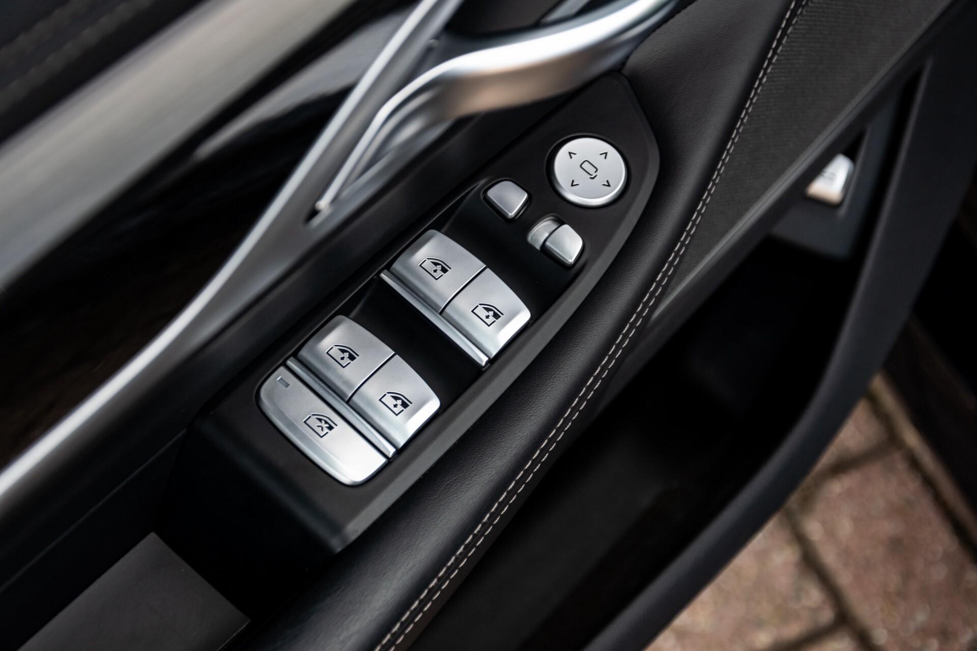 BMW 7 Serie 740d xDrive M-Sport High Executive Full Options Aut8 Foto 34