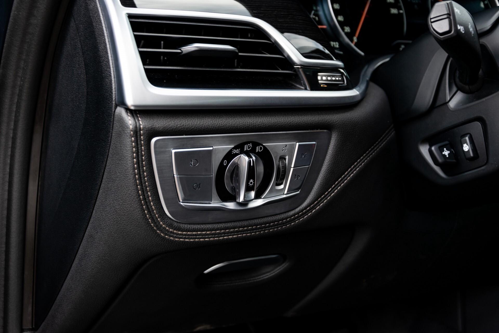 BMW 7 Serie 740d xDrive M-Sport High Executive Full Options Aut8 Foto 36