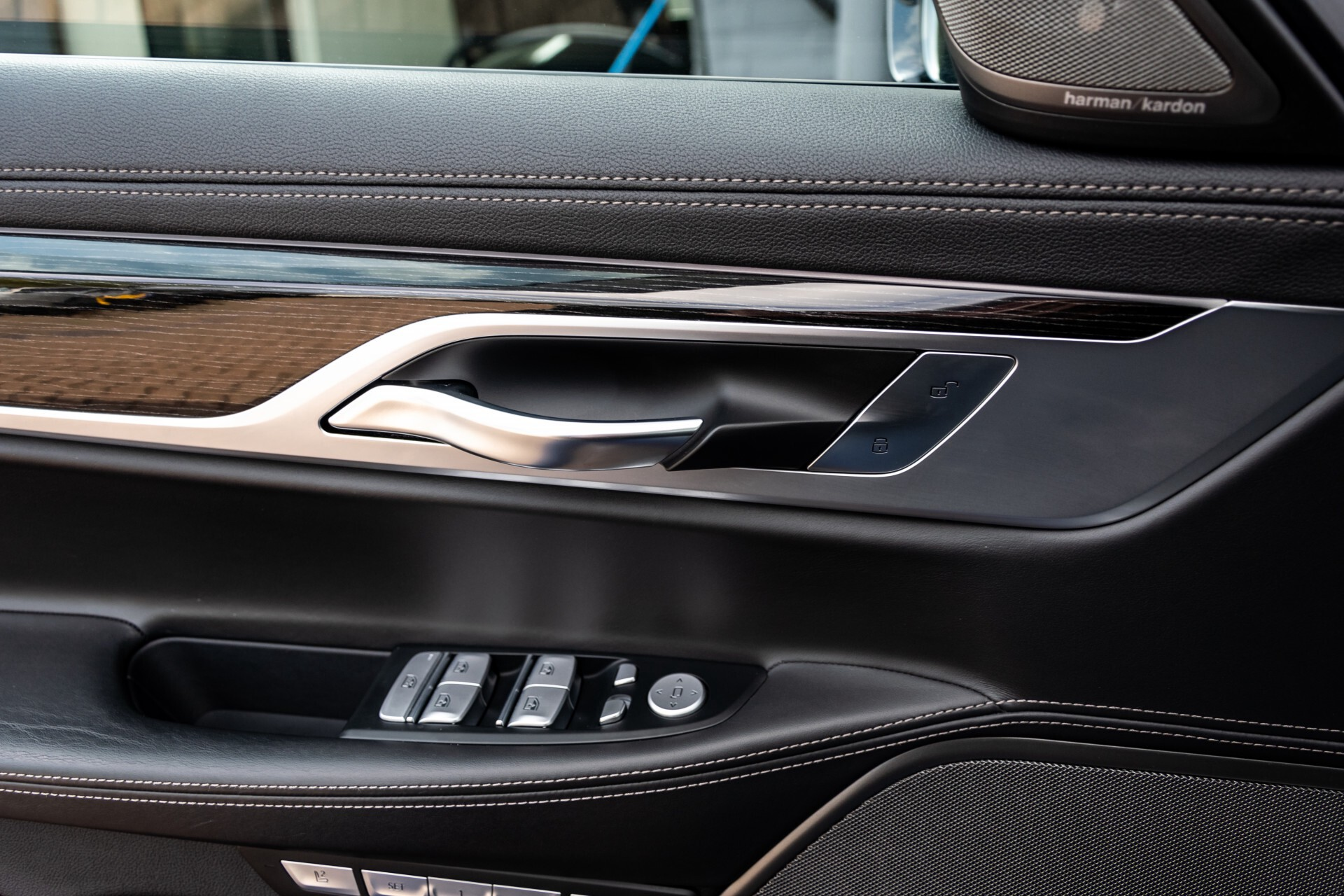 BMW 7 Serie 740d xDrive M-Sport High Executive Full Options Aut8 Foto 40