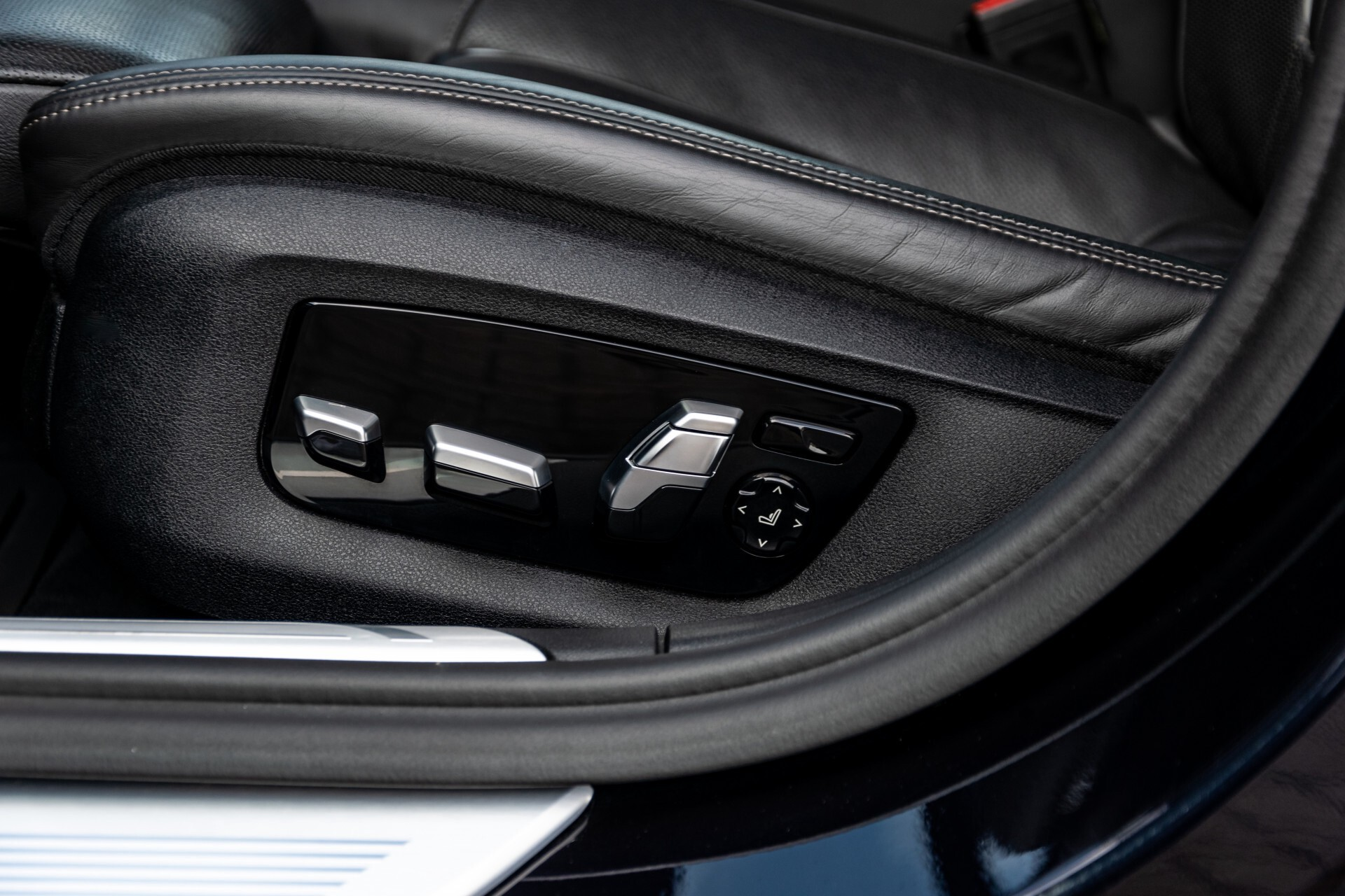 BMW 7 Serie 740d xDrive M-Sport High Executive Full Options Aut8 Foto 44