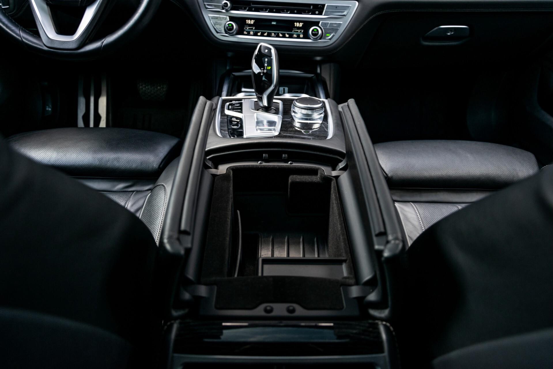 BMW 7 Serie 740d xDrive M-Sport High Executive Full Options Aut8 Foto 55