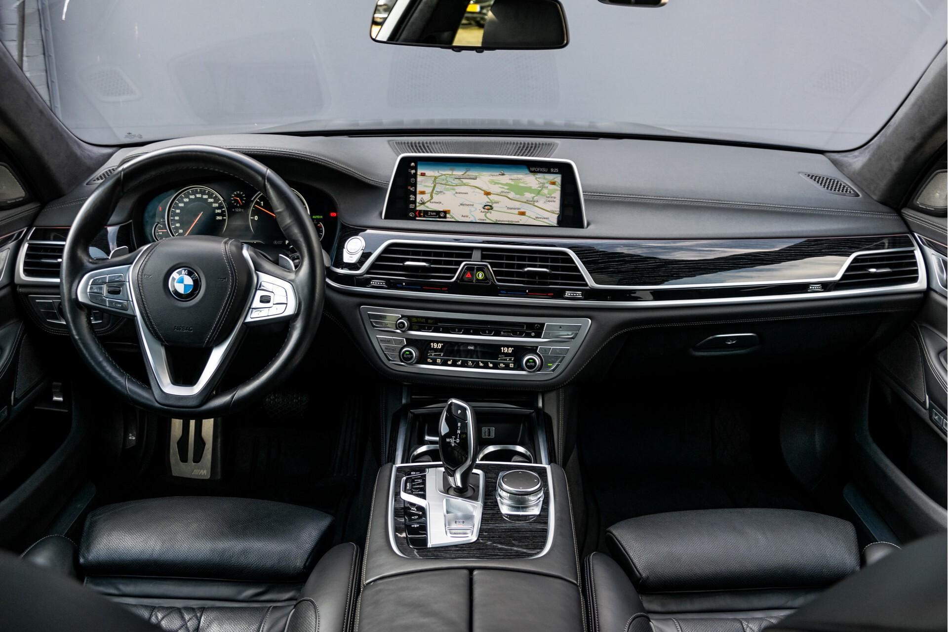 BMW 7 Serie 740d xDrive M-Sport High Executive Full Options Aut8 Foto 8