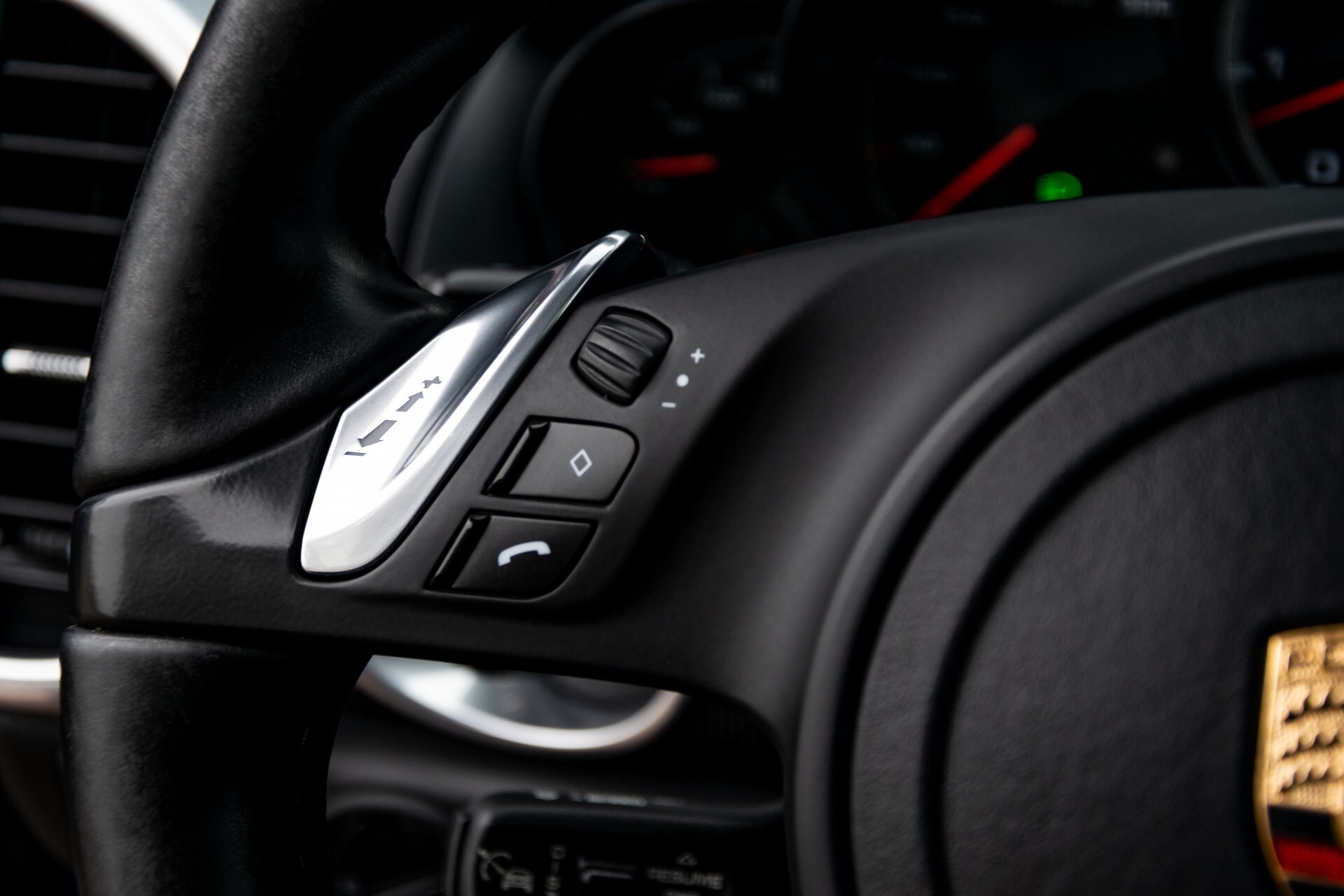 Porsche Cayenne 4.8 Turbo Ceramic/Akrapovic/Carbon/Burmester/Exclusive Aut8 Foto 10