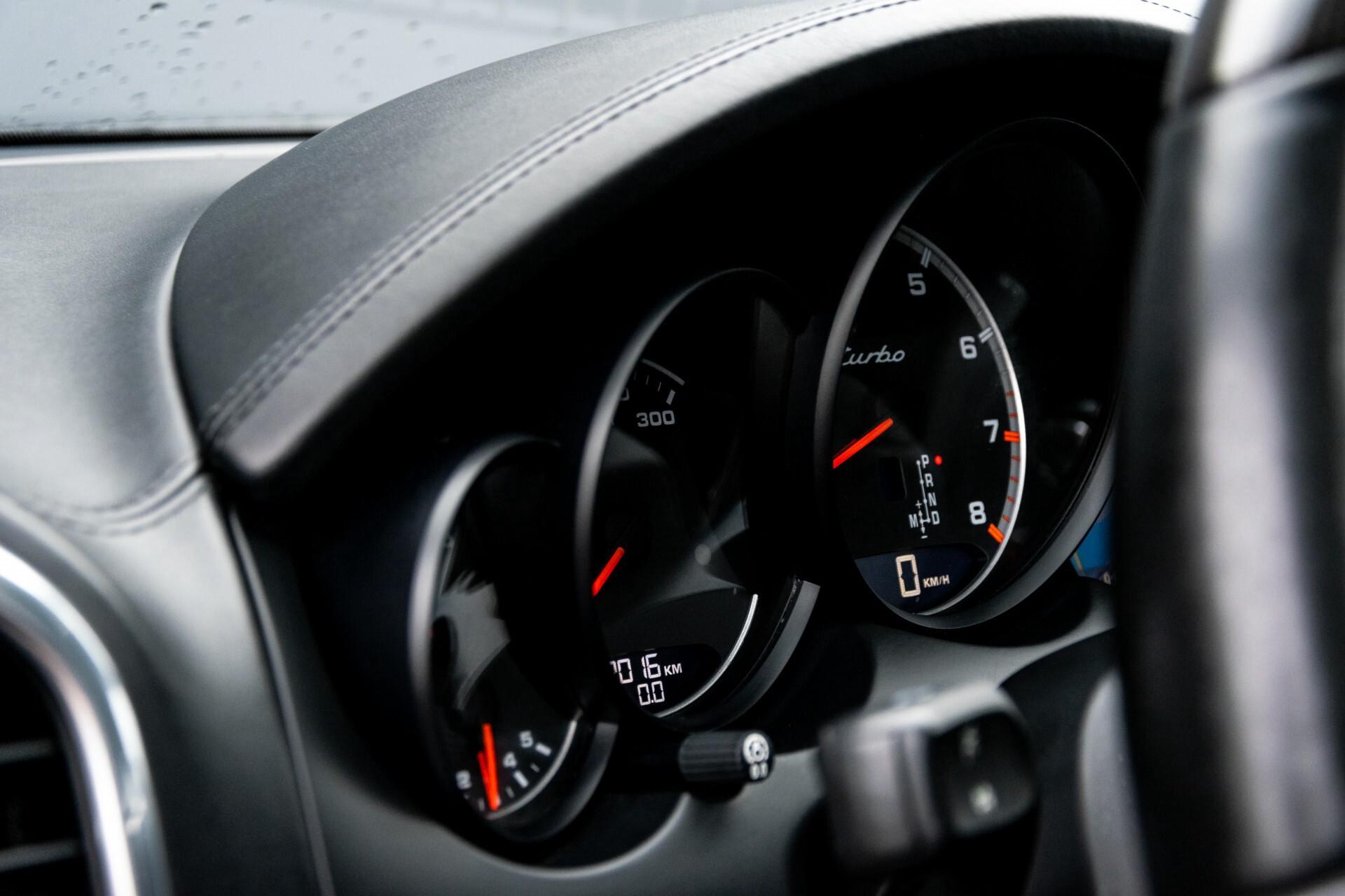Porsche Cayenne 4.8 Turbo Ceramic/Akrapovic/Carbon/Burmester/Exclusive Aut8 Foto 35
