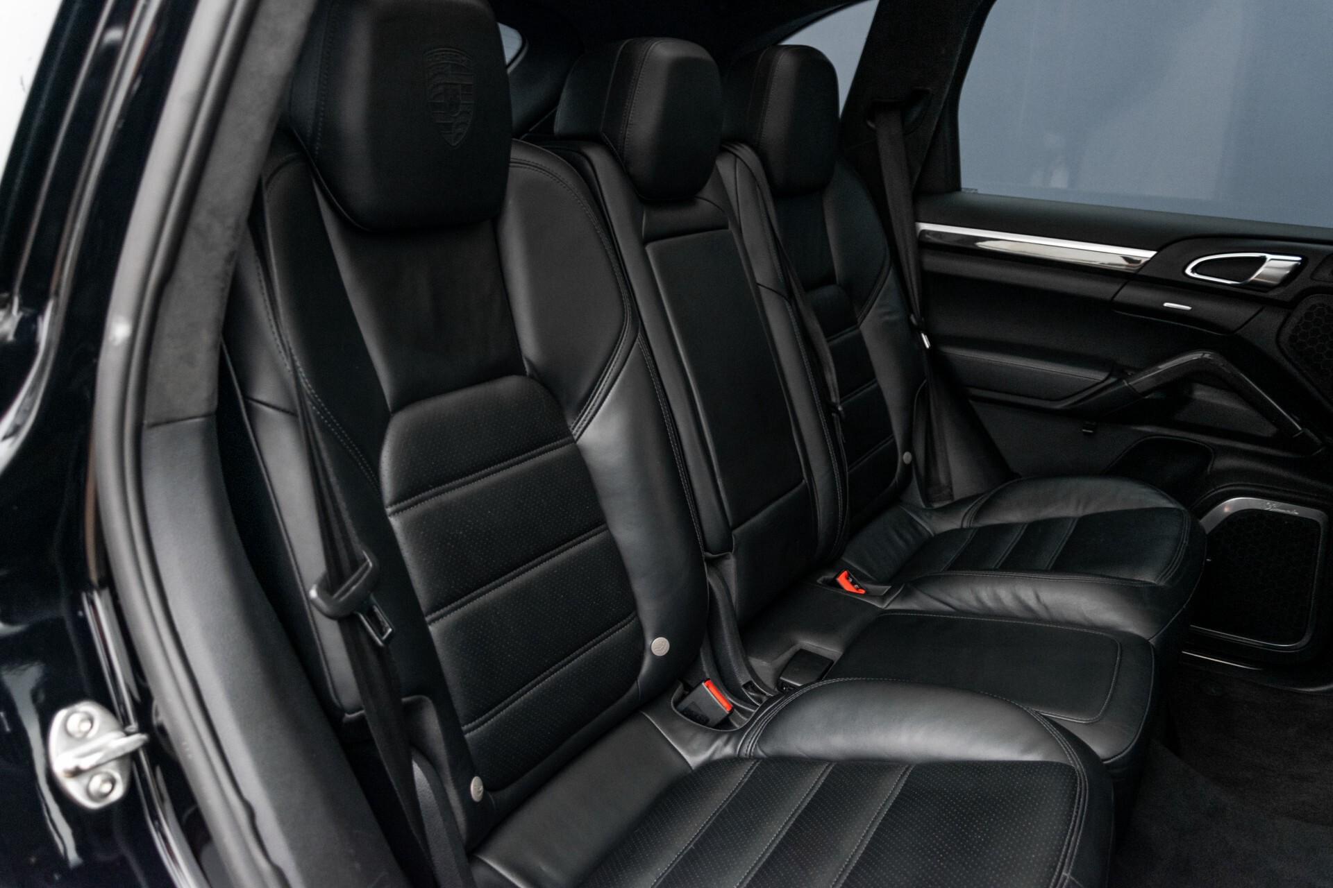 Porsche Cayenne 4.8 Turbo Ceramic/Akrapovic/Carbon/Burmester/Exclusive Aut8 Foto 4