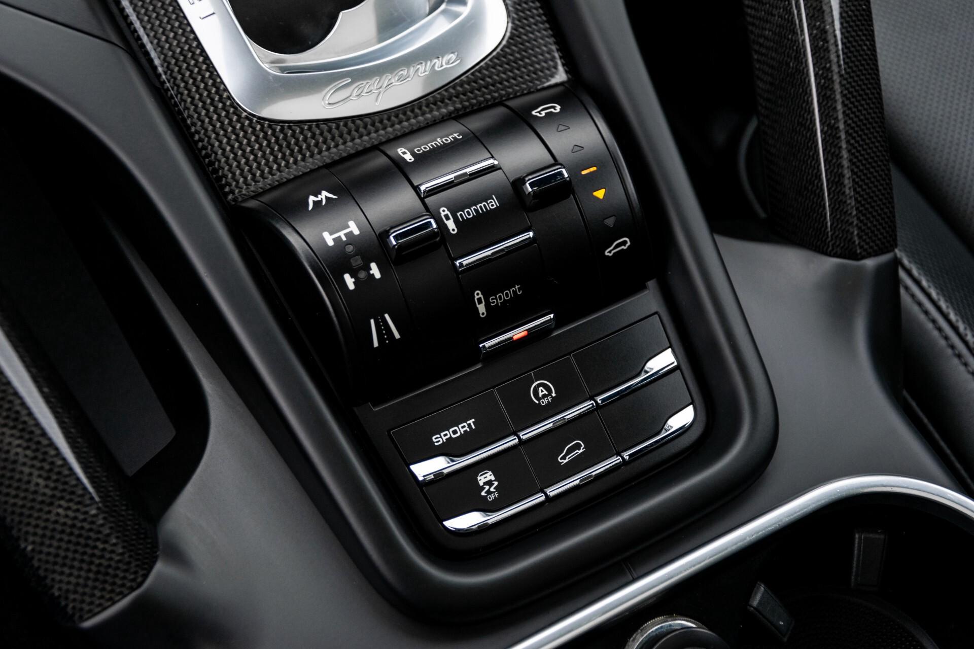 Porsche Cayenne 4.8 Turbo Ceramic/Akrapovic/Carbon/Burmester/Exclusive Aut8 Foto 41