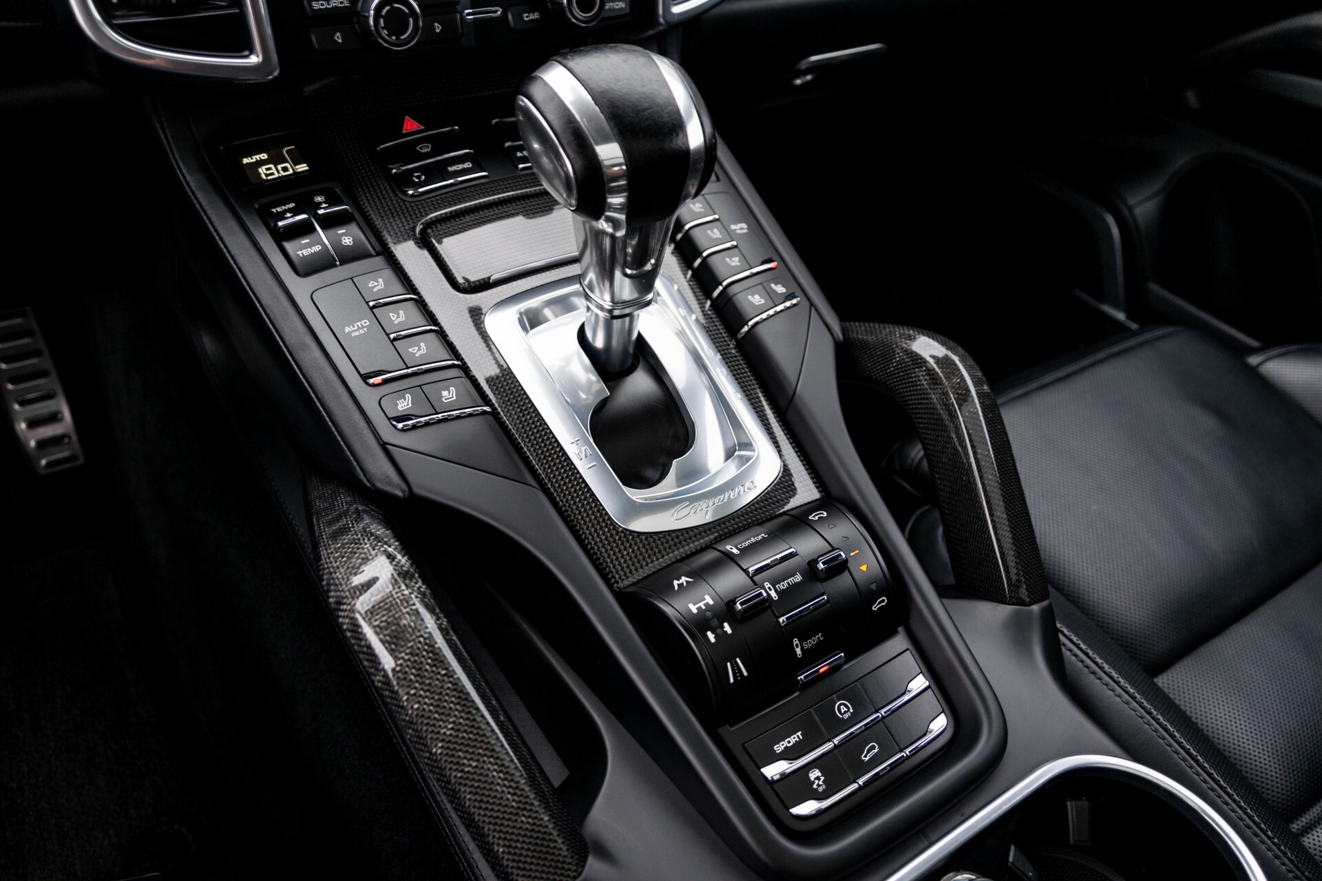 Porsche Cayenne 4.8 Turbo Ceramic/Akrapovic/Carbon/Burmester/Exclusive Aut8 Foto 42