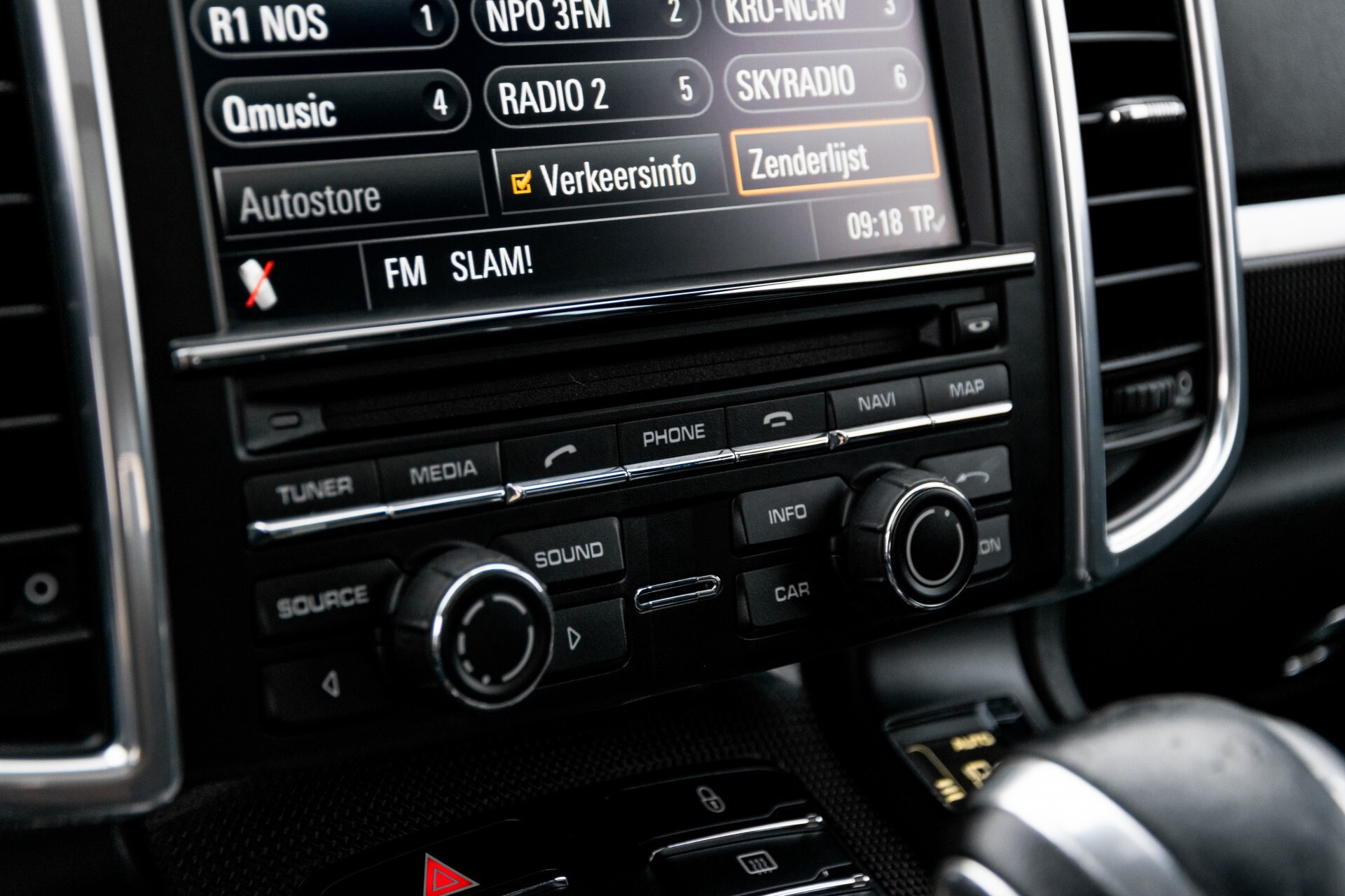 Porsche Cayenne 4.8 Turbo Ceramic/Akrapovic/Carbon/Burmester/Exclusive Aut8 Foto 43