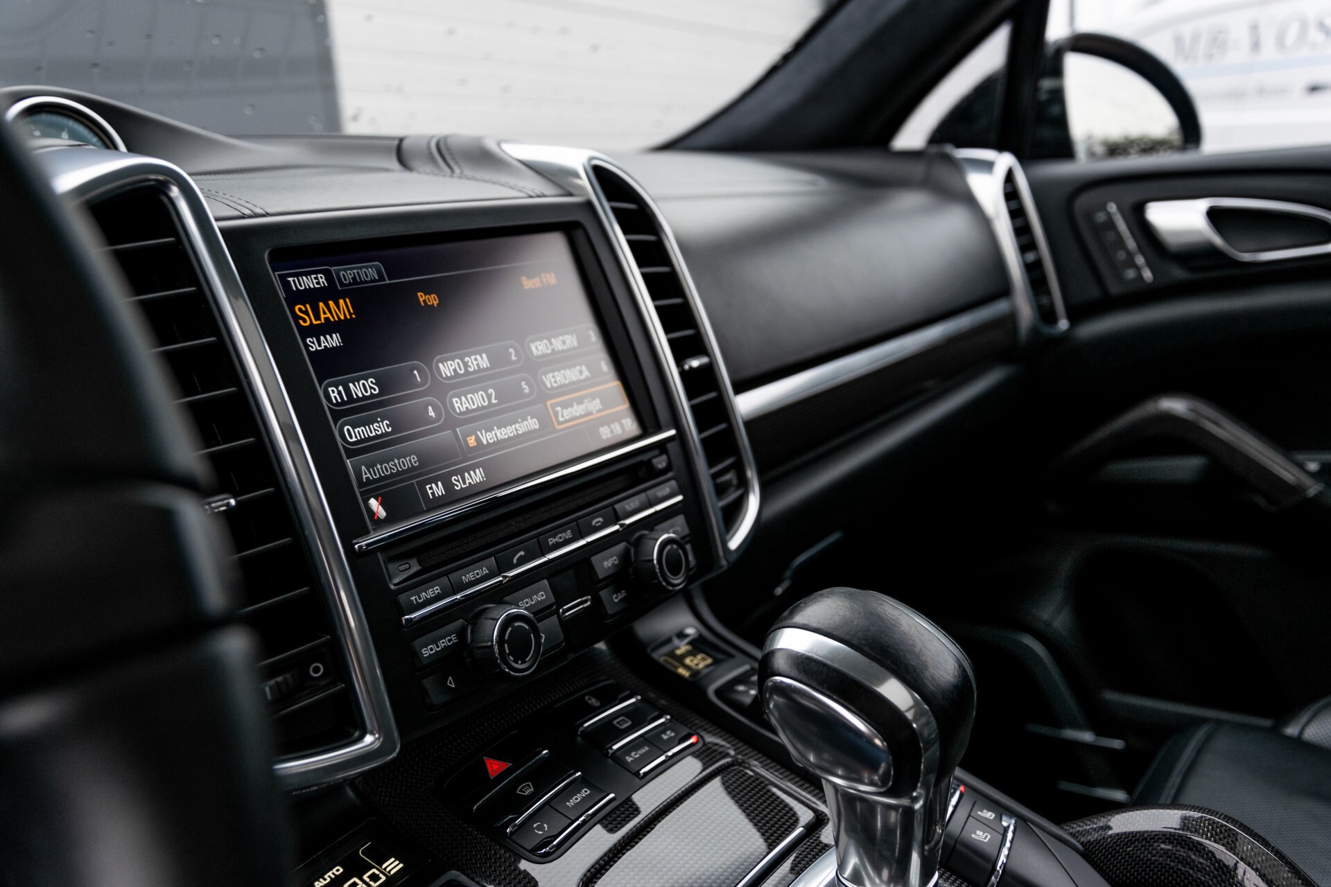 Porsche Cayenne 4.8 Turbo Ceramic/Akrapovic/Carbon/Burmester/Exclusive Aut8 Foto 45