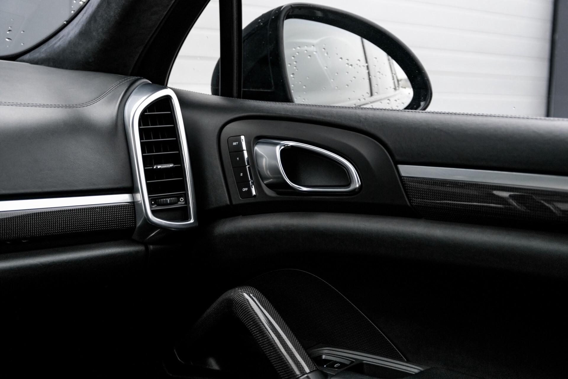 Porsche Cayenne 4.8 Turbo Ceramic/Akrapovic/Carbon/Burmester/Exclusive Aut8 Foto 50