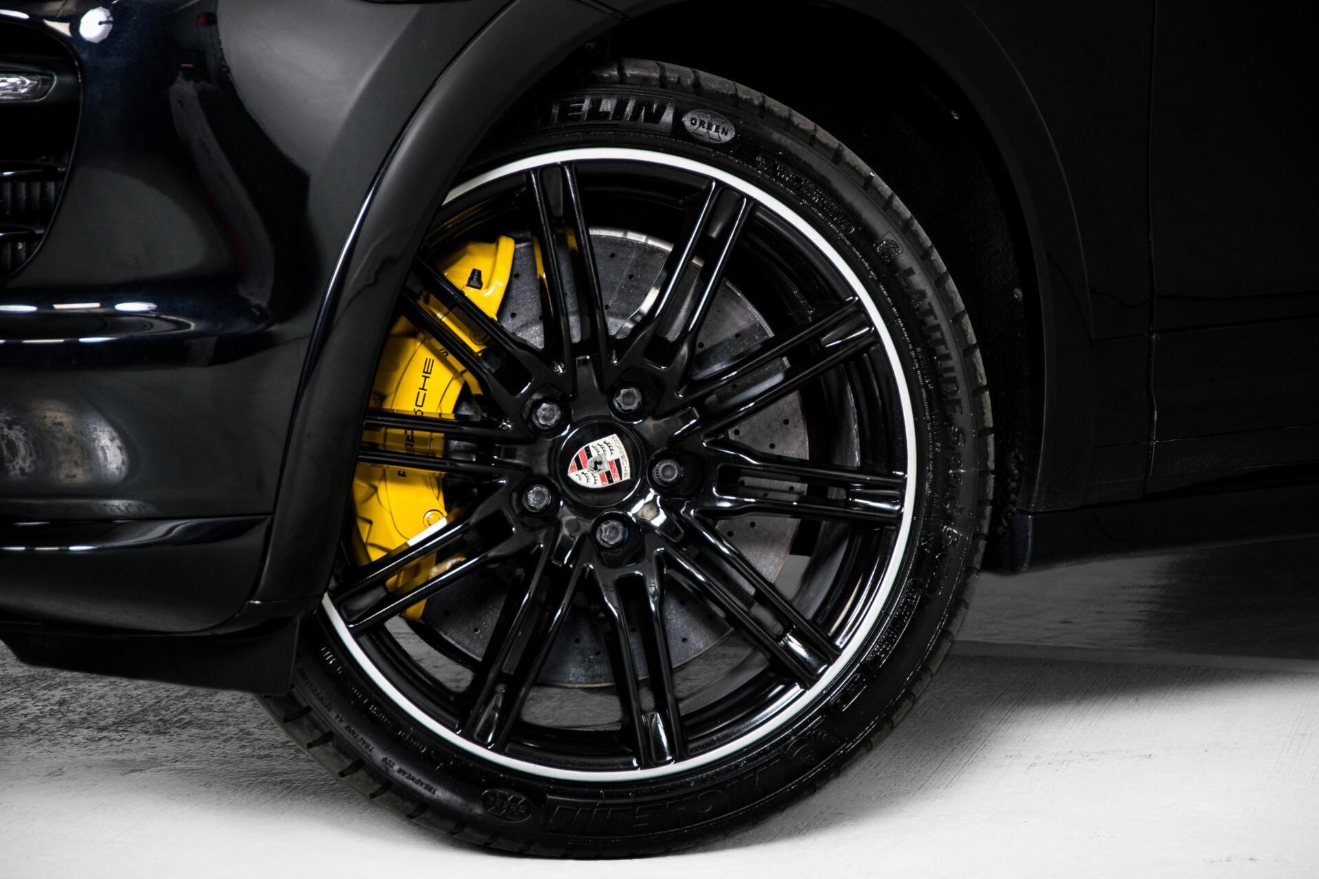 Porsche Cayenne 4.8 Turbo Ceramic/Akrapovic/Carbon/Burmester/Exclusive Aut8 Foto 65