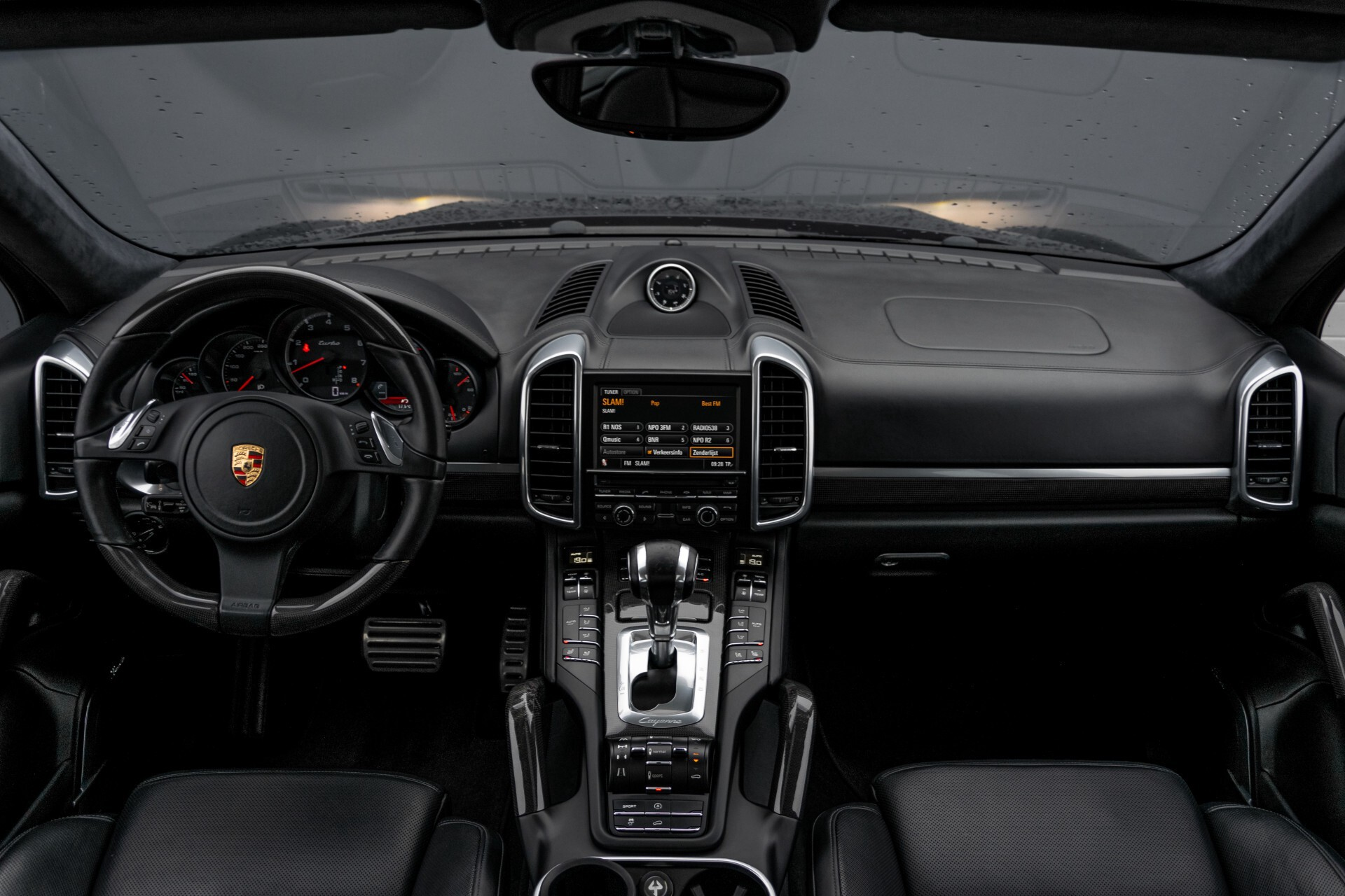 Porsche Cayenne 4.8 Turbo Ceramic/Akrapovic/Carbon/Burmester/Exclusive Aut8 Foto 9