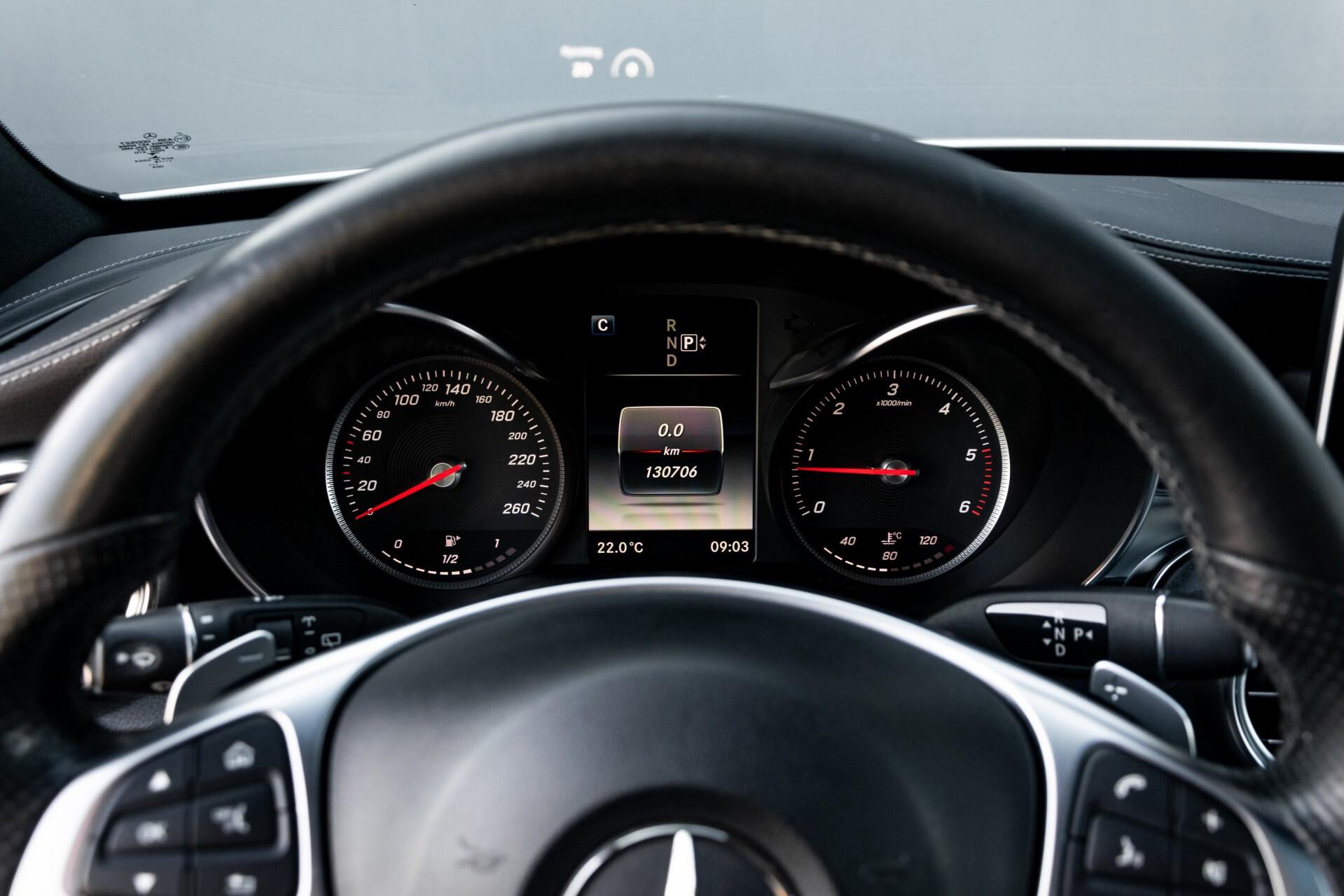 Mercedes-Benz C-Klasse Estate 220 Bluetec AMG Panorama/HUD/Memory Aut7 Foto 12