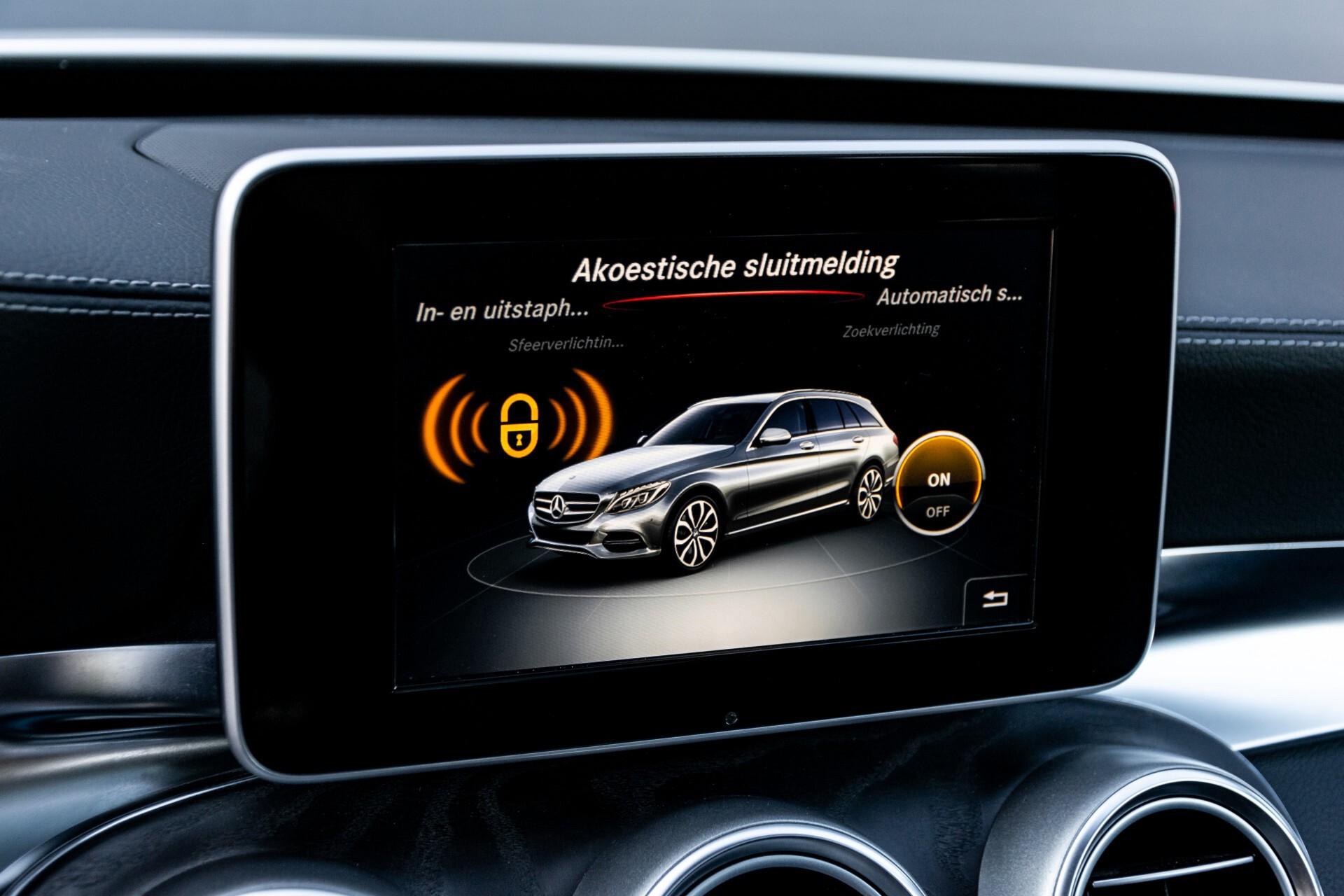 Mercedes-Benz C-Klasse Estate 220 Bluetec AMG Panorama/HUD/Memory Aut7 Foto 25