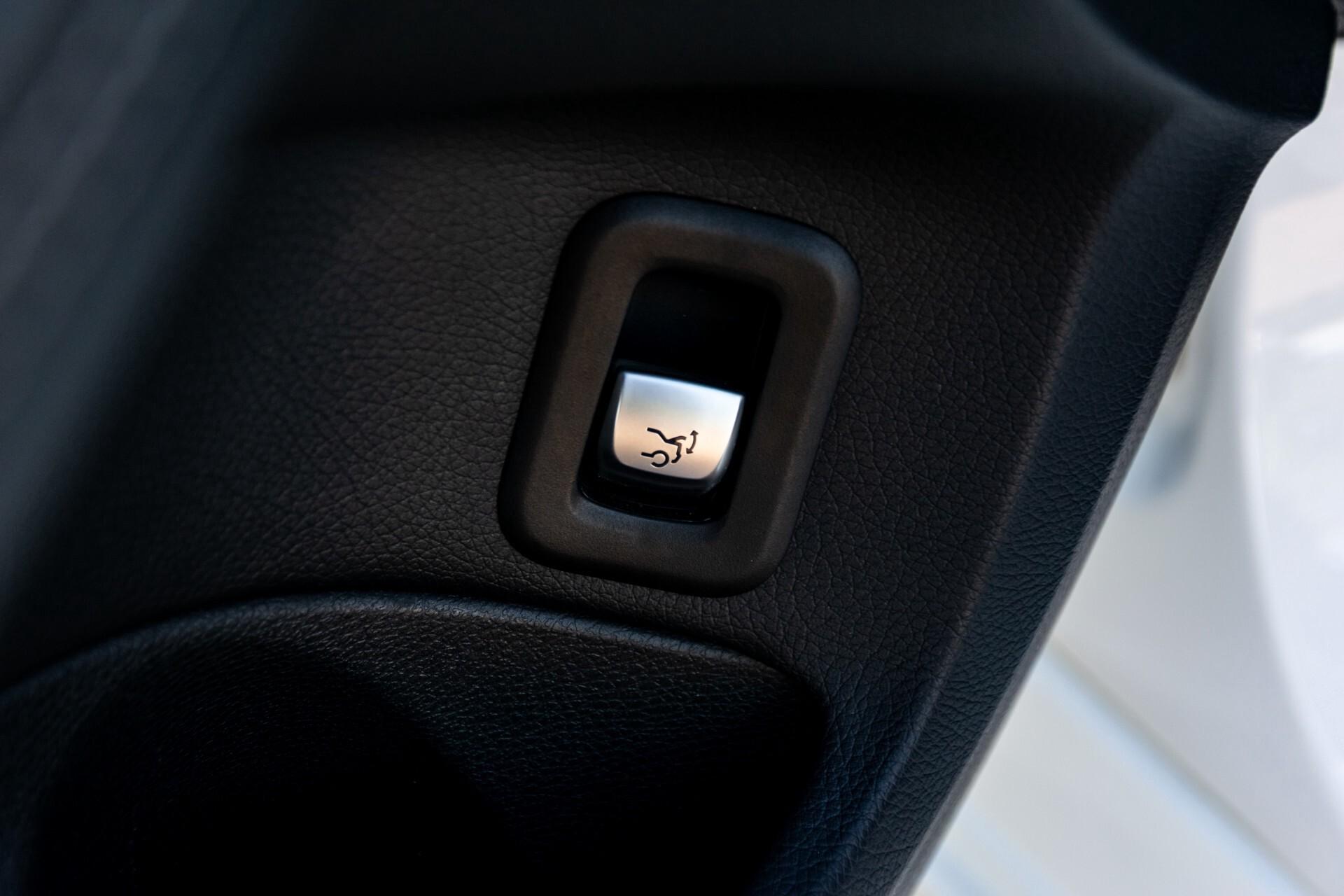 Mercedes-Benz C-Klasse Estate 220 Bluetec AMG Panorama/HUD/Memory Aut7 Foto 26