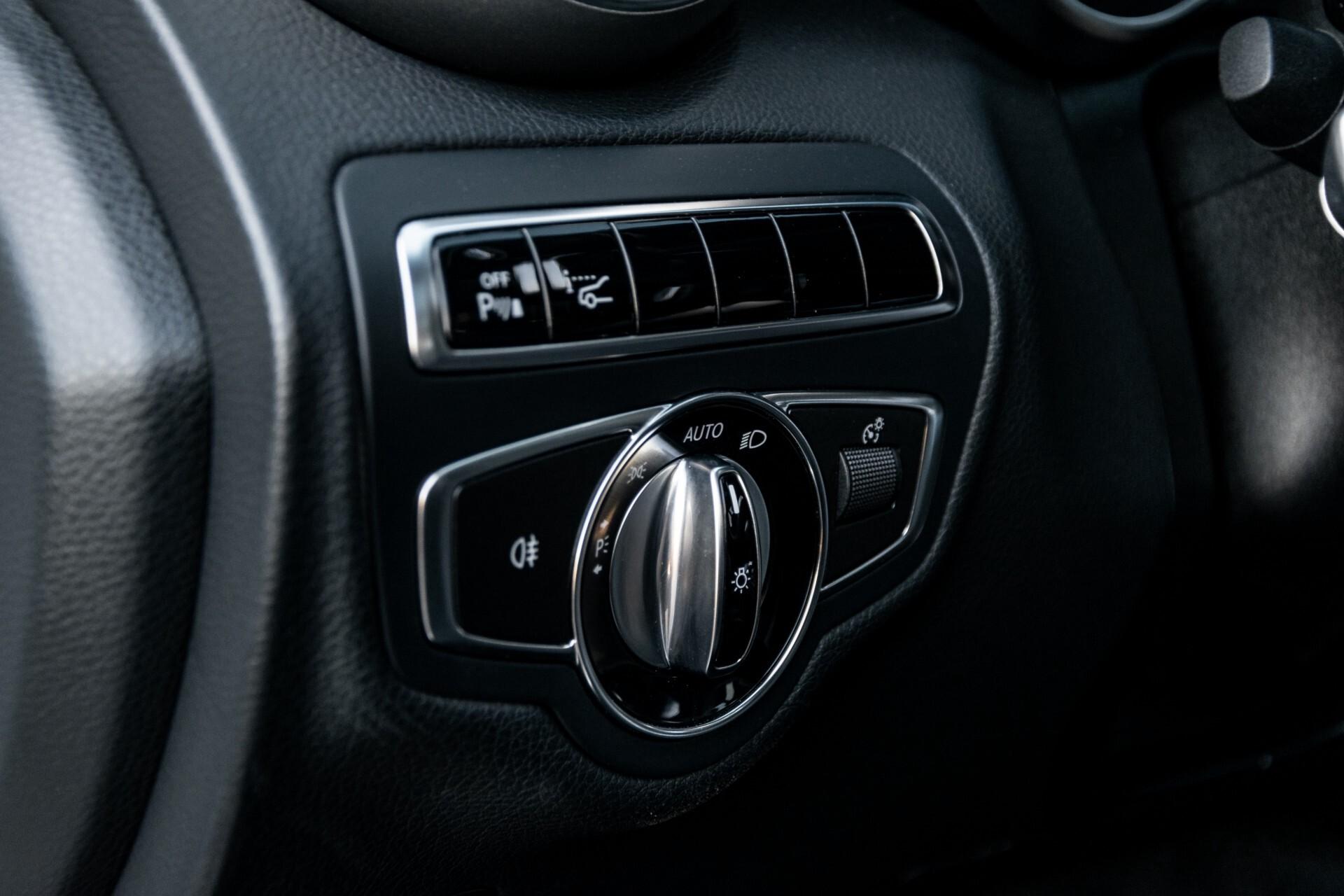 Mercedes-Benz C-Klasse Estate 220 Bluetec AMG Panorama/HUD/Memory Aut7 Foto 28