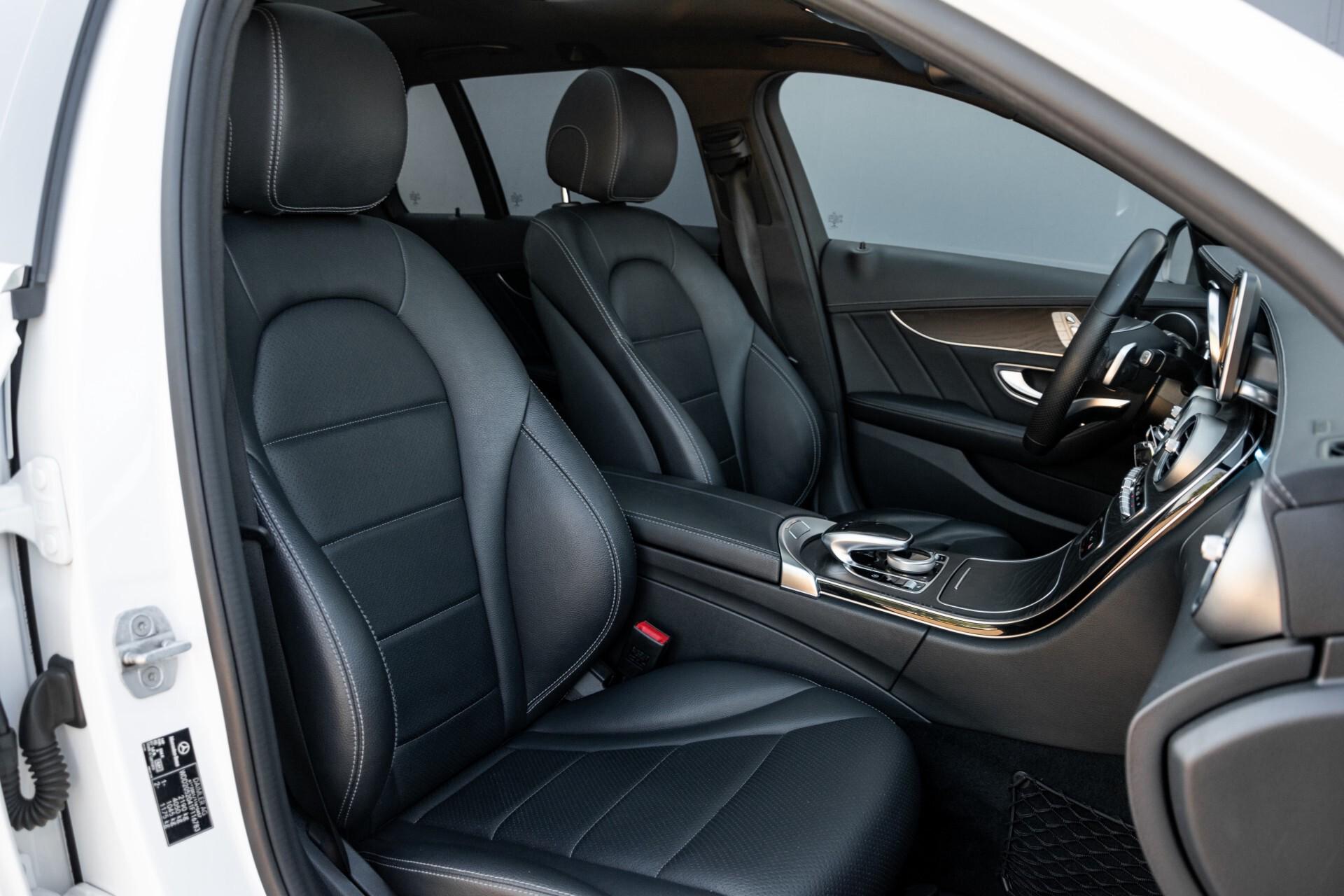 Mercedes-Benz C-Klasse Estate 220 Bluetec AMG Panorama/HUD/Memory Aut7 Foto 3