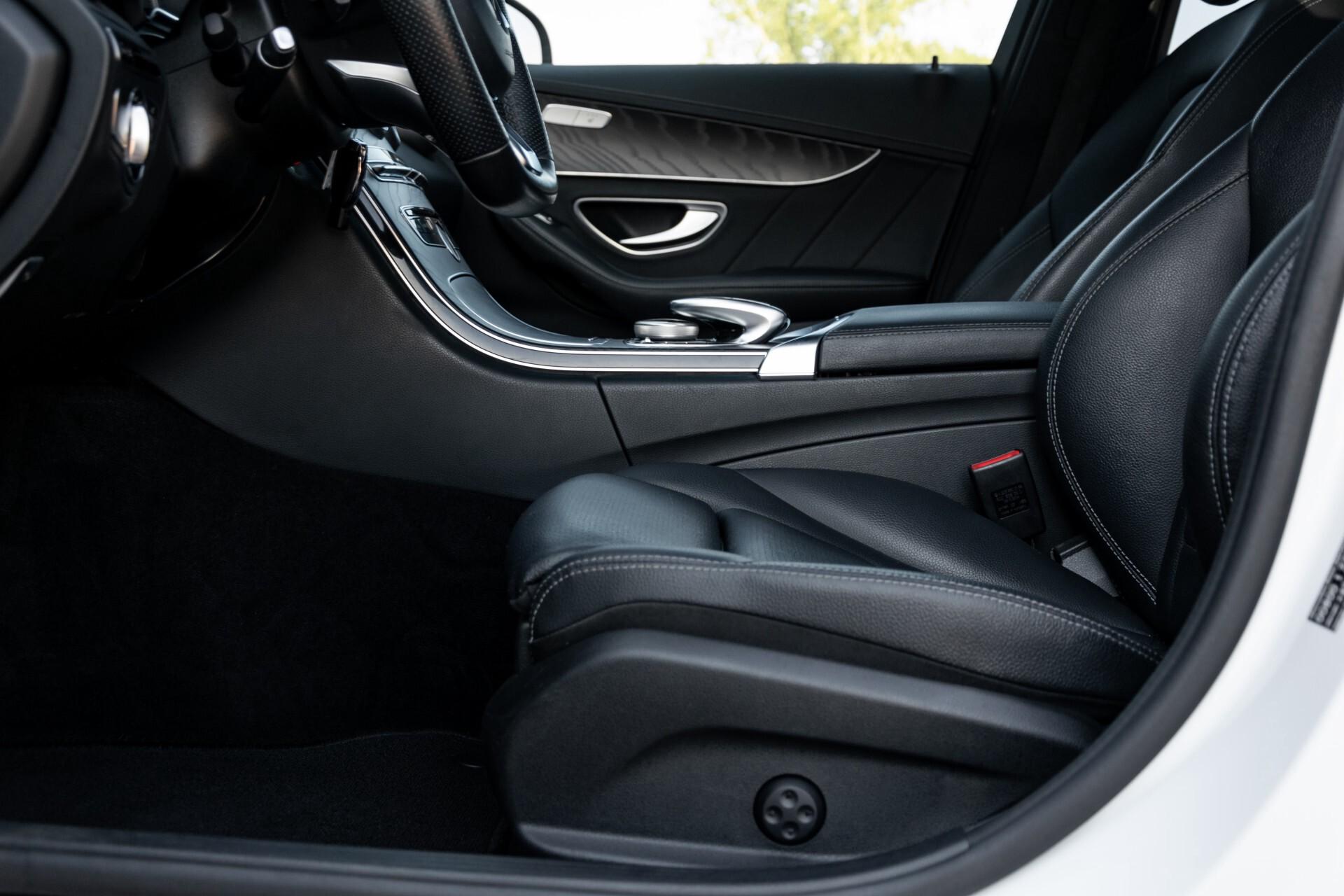 Mercedes-Benz C-Klasse Estate 220 Bluetec AMG Panorama/HUD/Memory Aut7 Foto 42