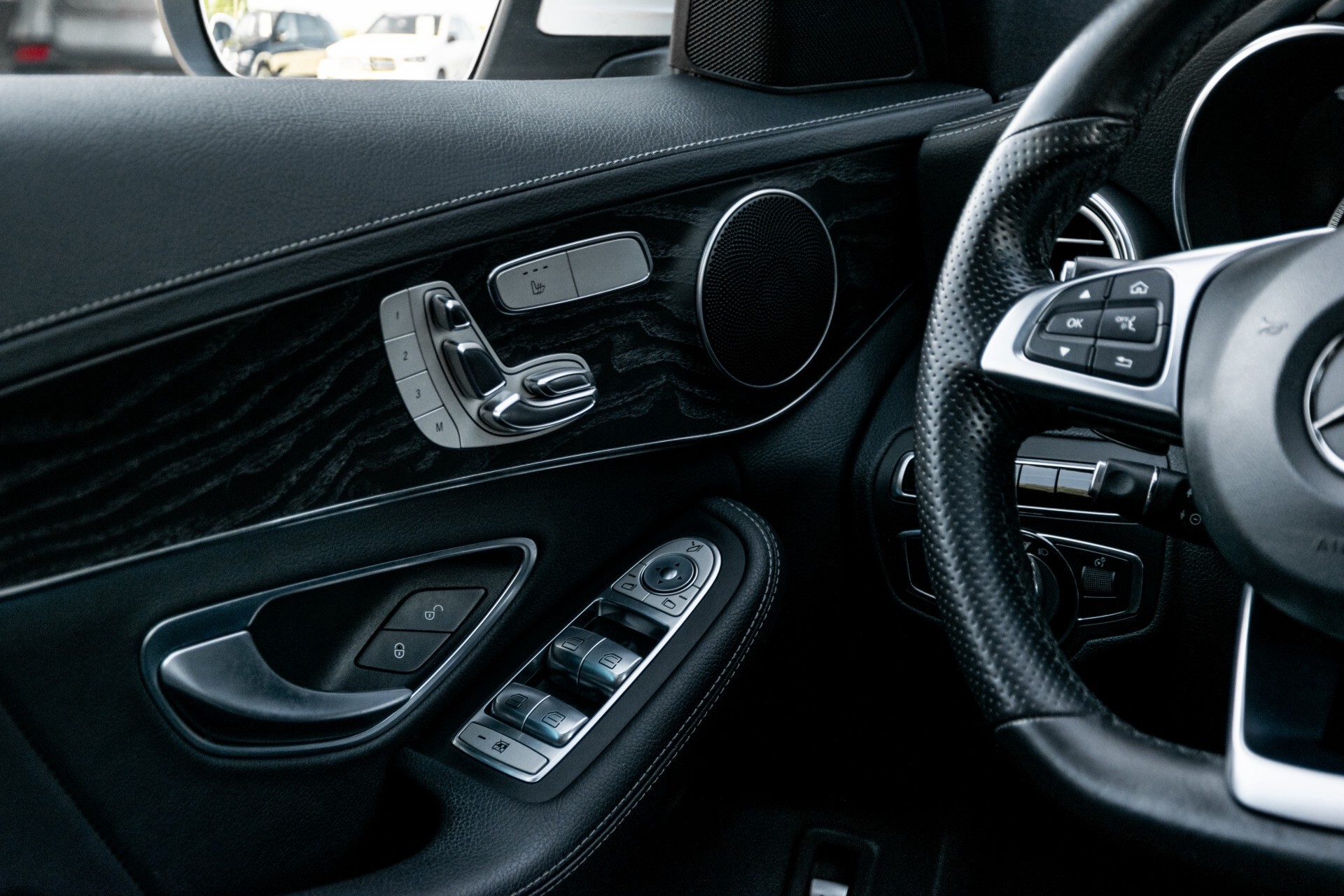 Mercedes-Benz C-Klasse Estate 220 Bluetec AMG Panorama/HUD/Memory Aut7 Foto 43