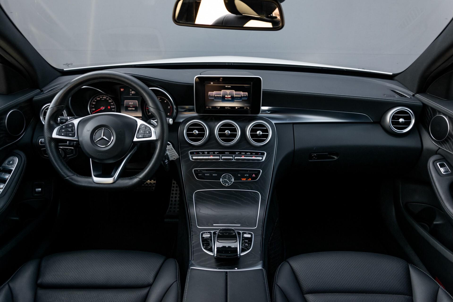 Mercedes-Benz C-Klasse Estate 220 Bluetec AMG Panorama/HUD/Memory Aut7 Foto 8