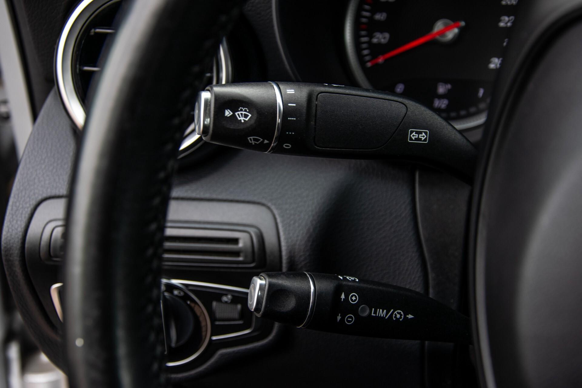 Mercedes-Benz C-Klasse 180 Bluetec Lease Edition Intelligent Light System/Cruise Control/Navi Foto 10