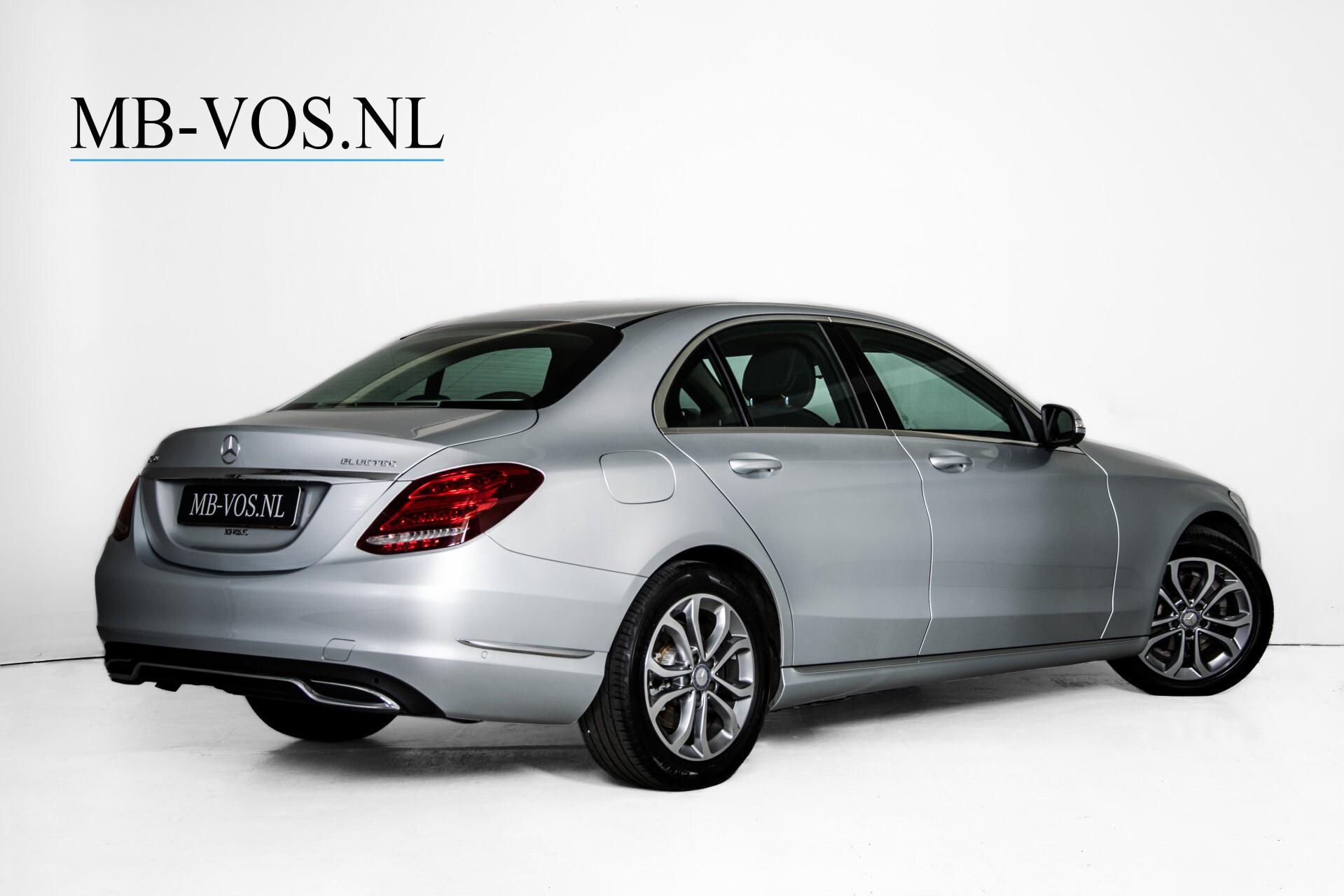 Mercedes-Benz C-Klasse 180 Bluetec Lease Edition Intelligent Light System/Cruise Control/Navi Foto 2